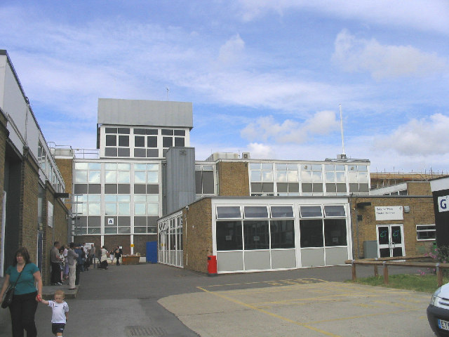 File:Havering College, Ardleigh Green Road, Hornchurch, Essex - geograph.org.uk - 24006.jpg