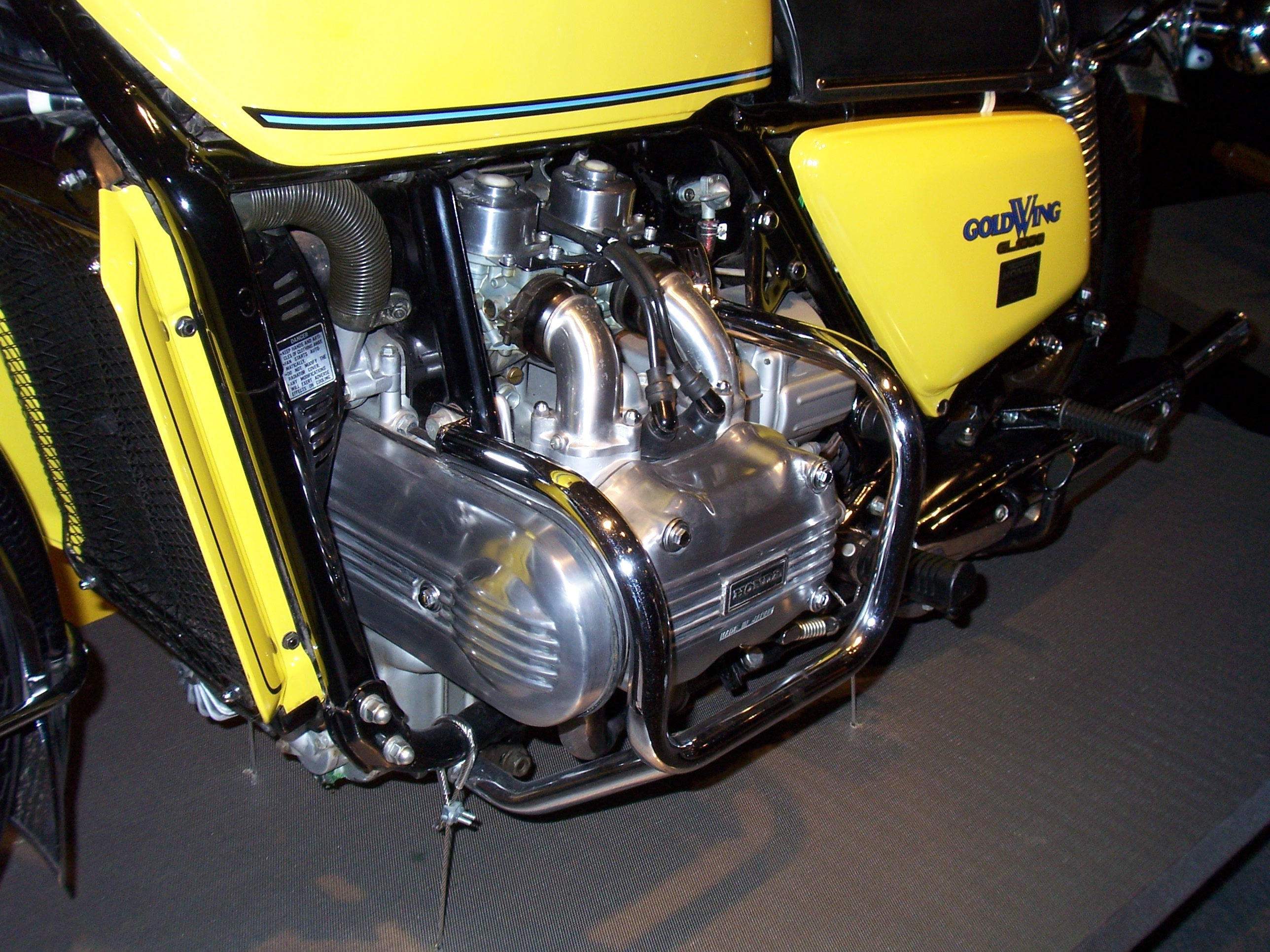 FileHonda Goldwing GL1000 Engine