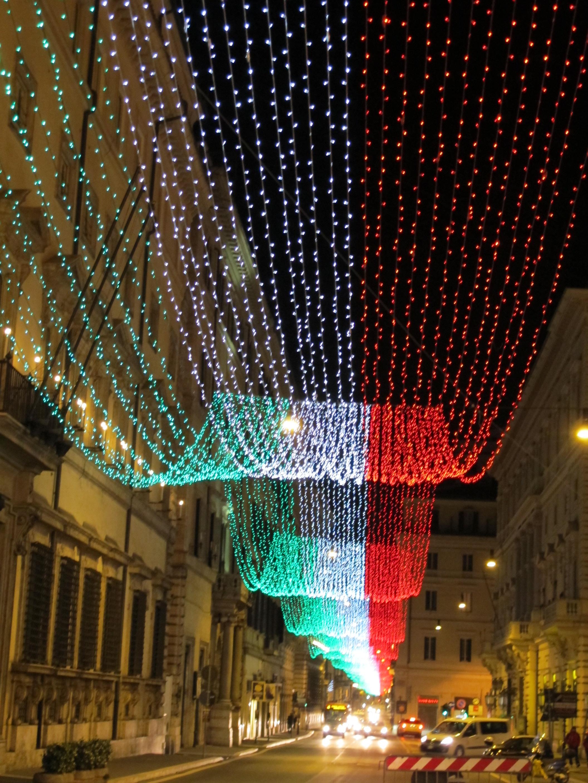 Illuminazione natale roma illuminazione natale milano for Corso design interni milano