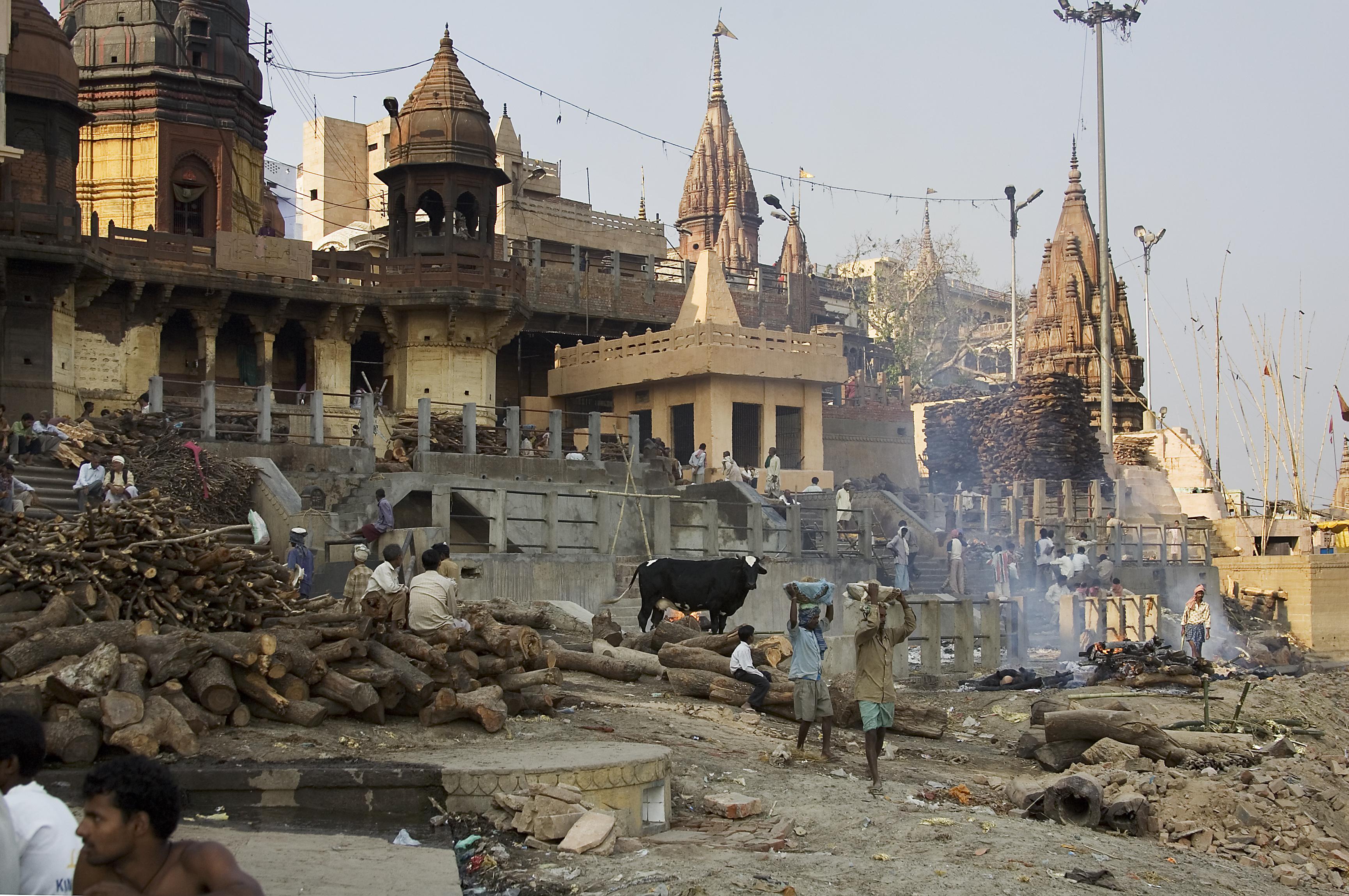 Varanasi India  City new picture : Description India Varanasi burning gaths 1203