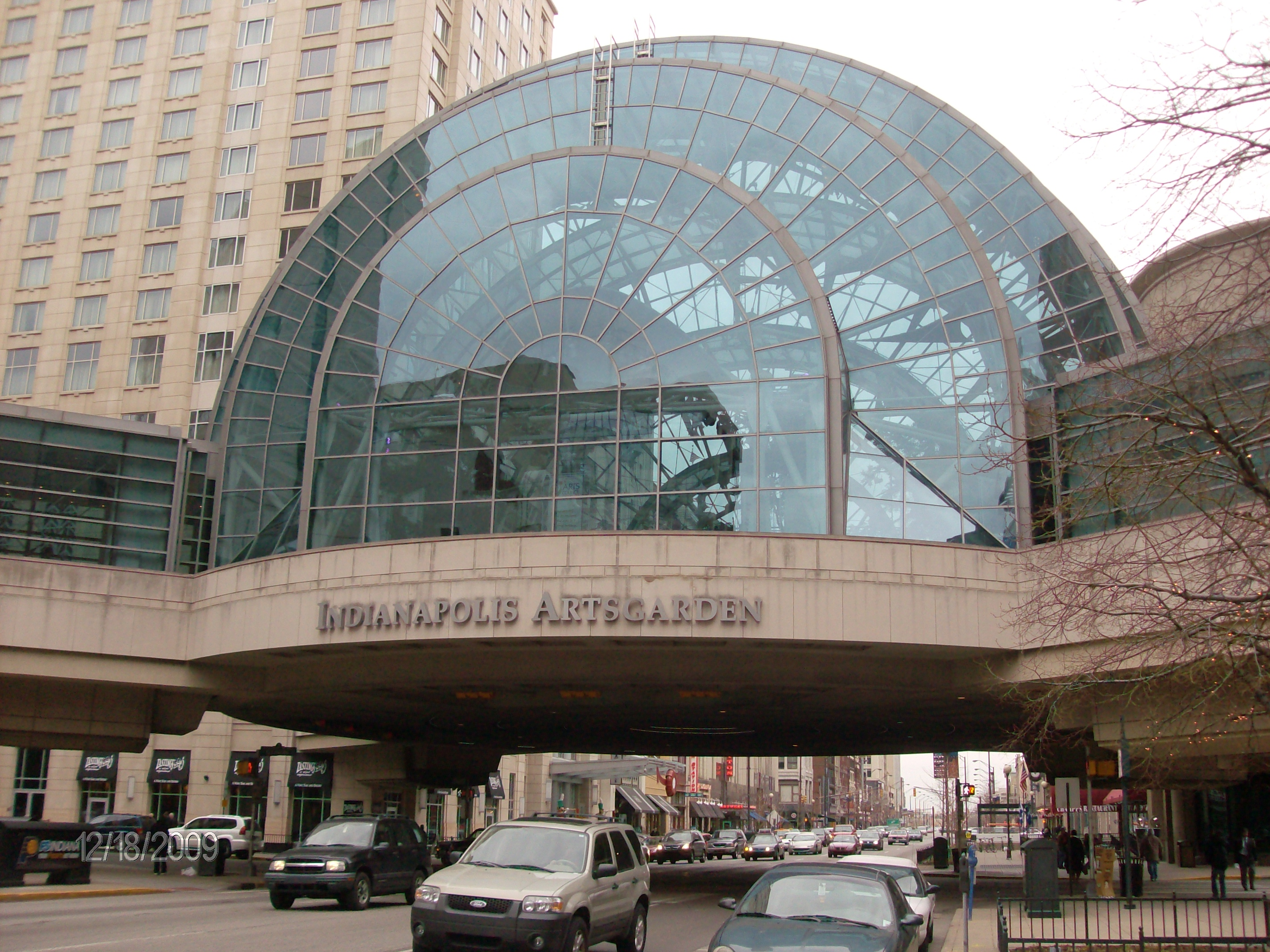 File Indianapolis Artsgarden From Street Jpg Wikimedia