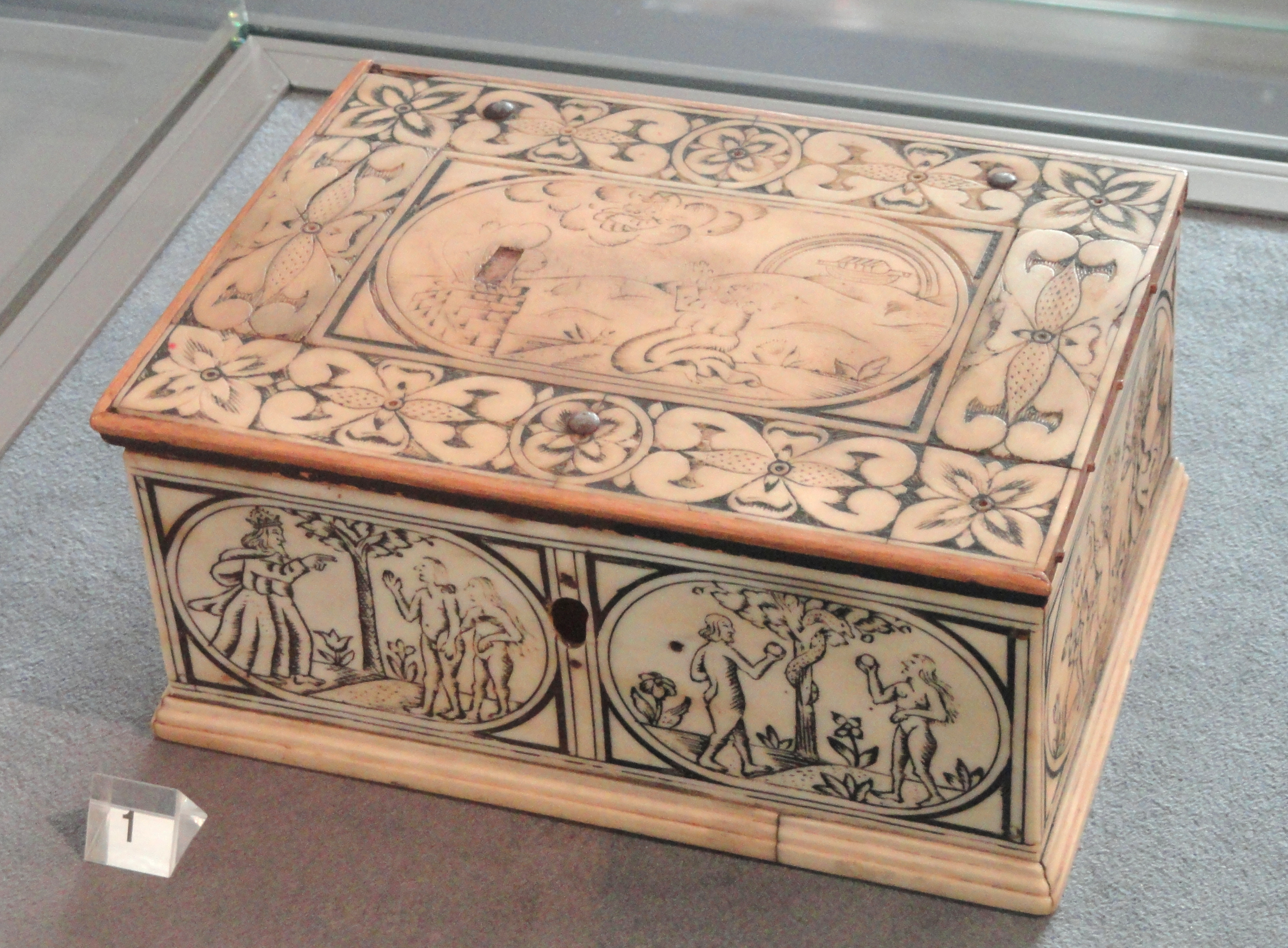 File:Ivory Box, Sweden, 17th Century   National Museum Of Finland   DSC04265