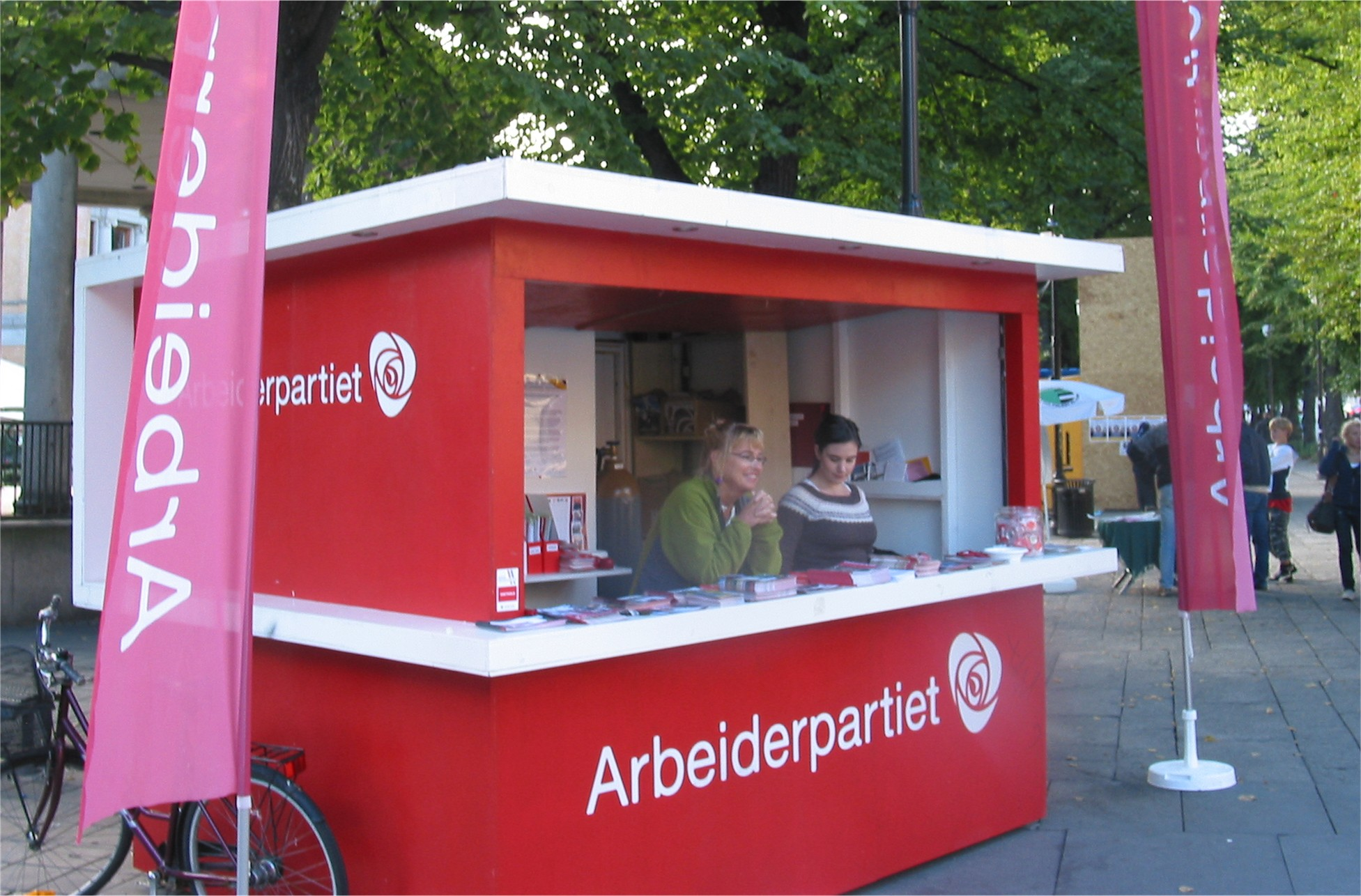 Exhibition Booth Wiki : Labour party norway wikiwand