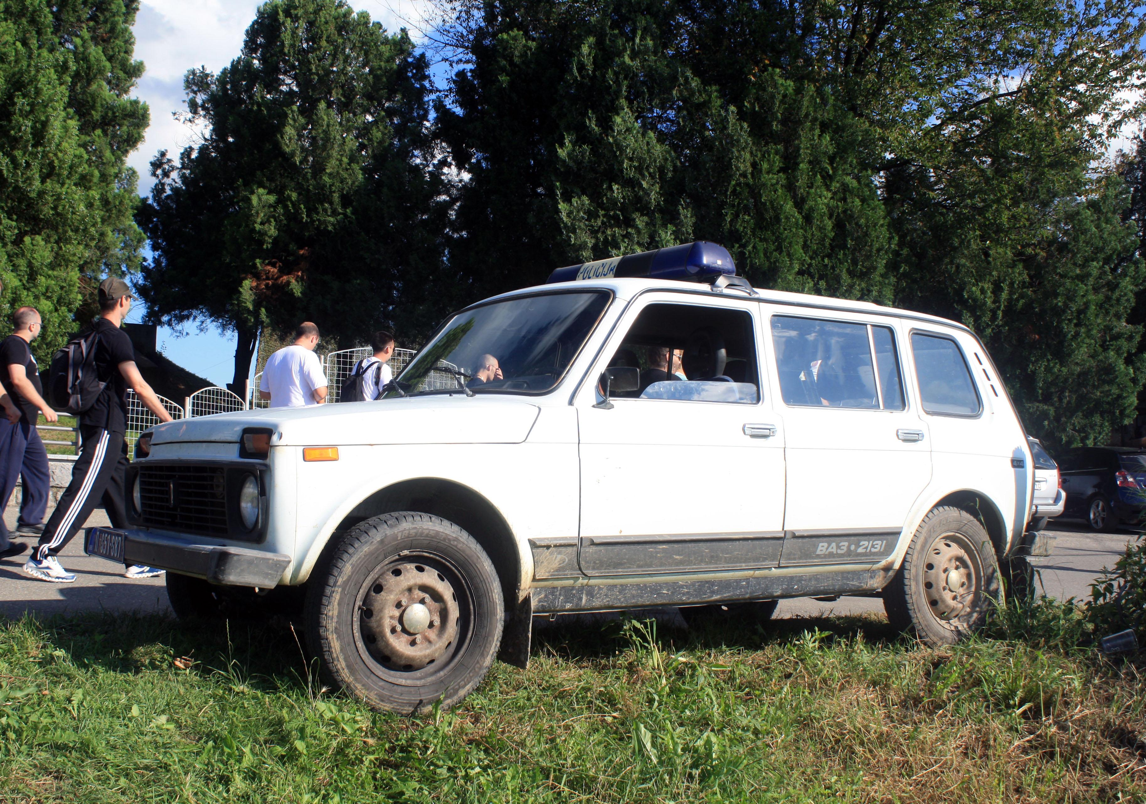 File:Lada Niva VAZ-2131 Policija.jpg