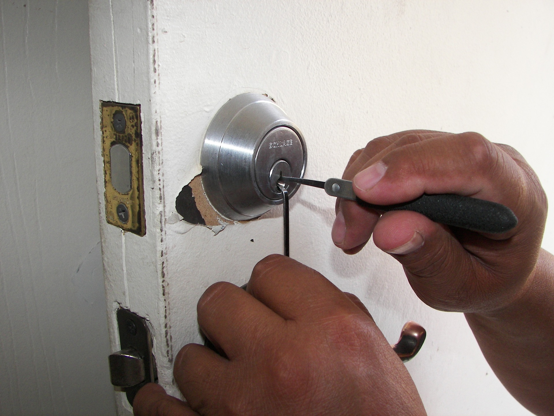 door repair locksmith