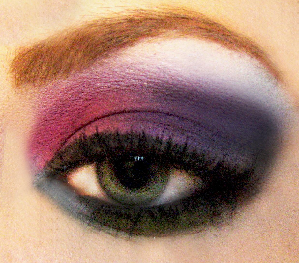 File:Macro matte rainbow eyeshadow.jpg - Wikimedia Commons