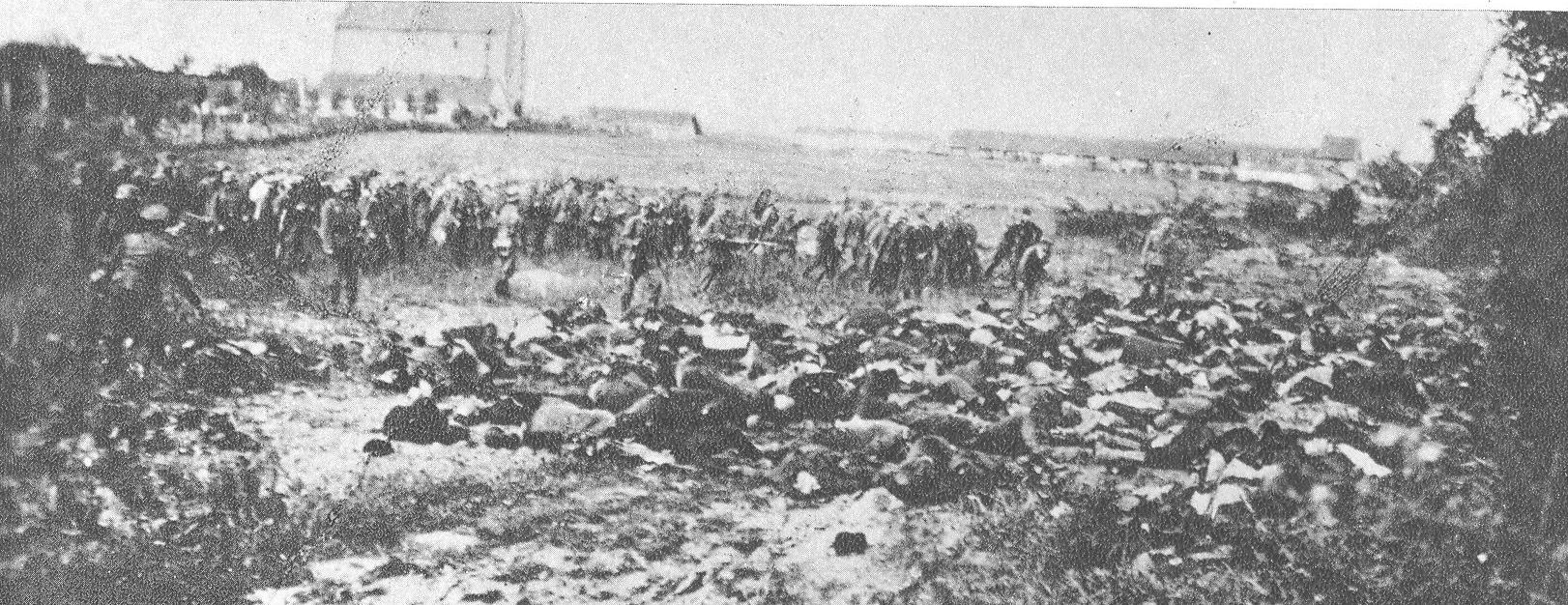 File:Mass murder of civilians in Serbia 1941.jpg ...