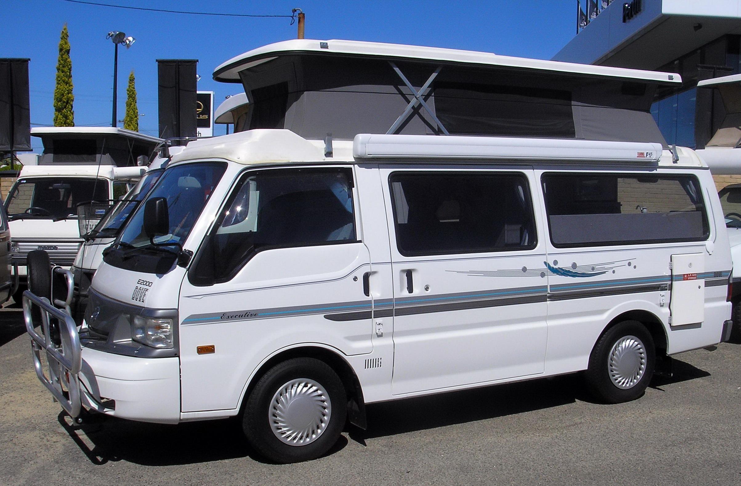 File:Mazda-E2000-Campervan.jpg - Wikimedia Commons