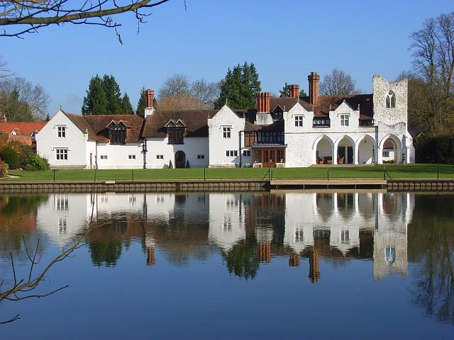 Medmenham Abbey - geograph.org.uk - 762469
