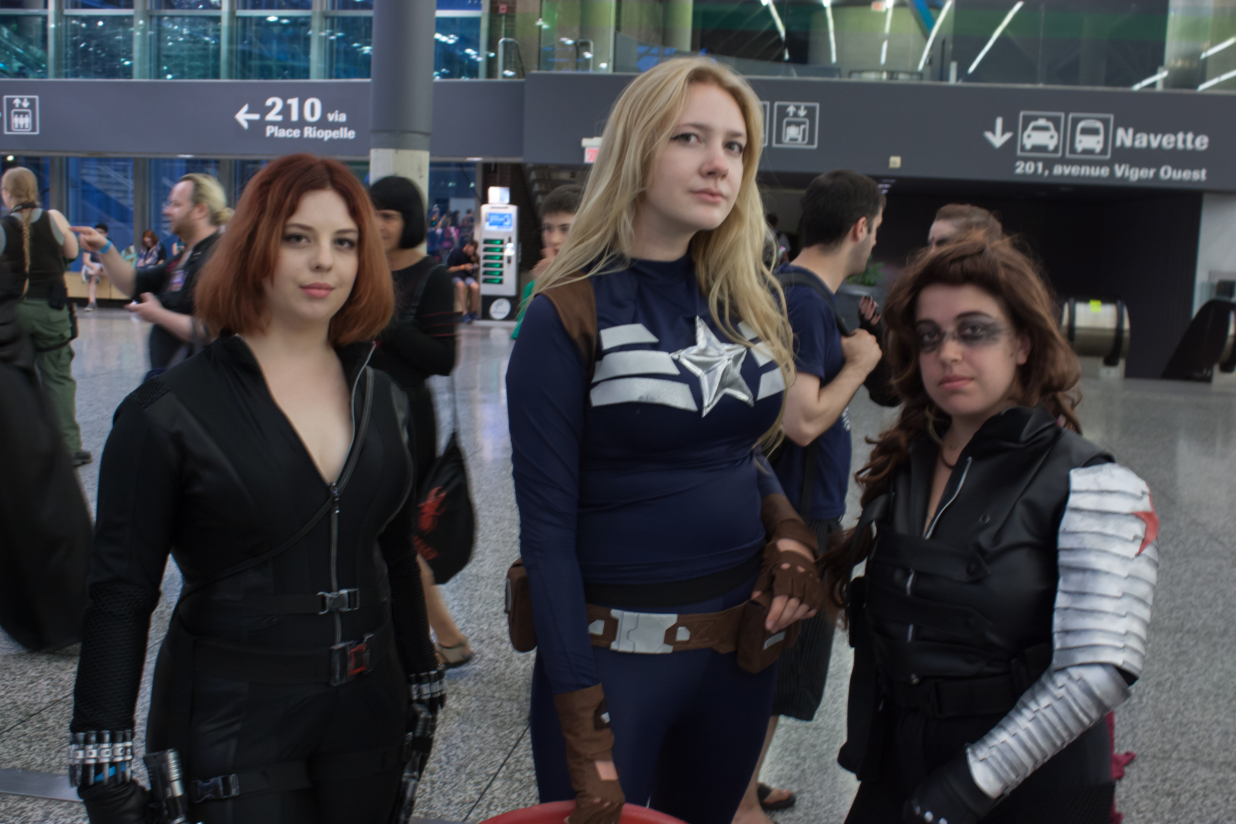 File:Montreal Comiccon 2016 - Black Widow, Captain America ...