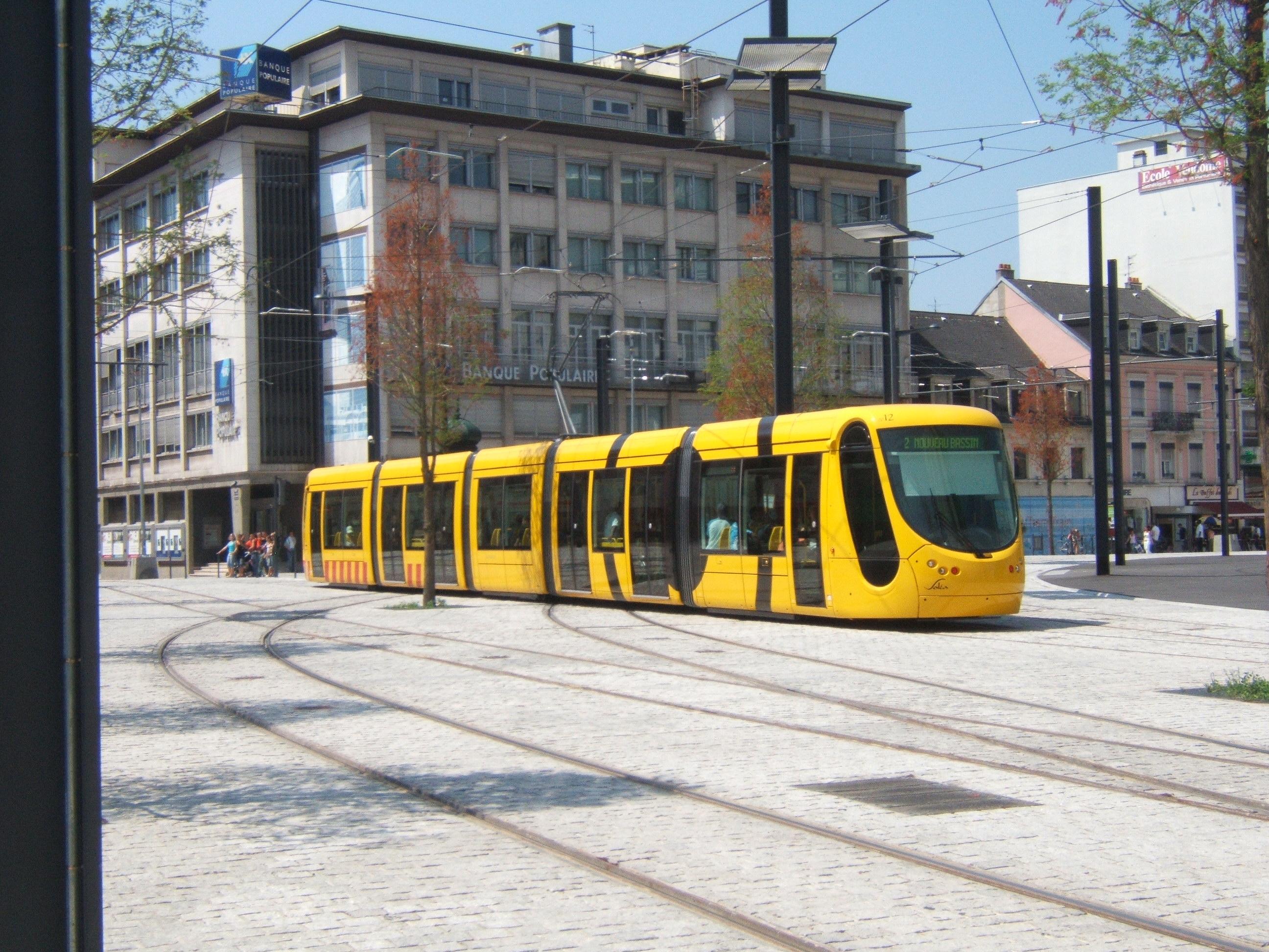 File mulhouse tramline 2 by porte wikimedia for Porte jeune mulhouse
