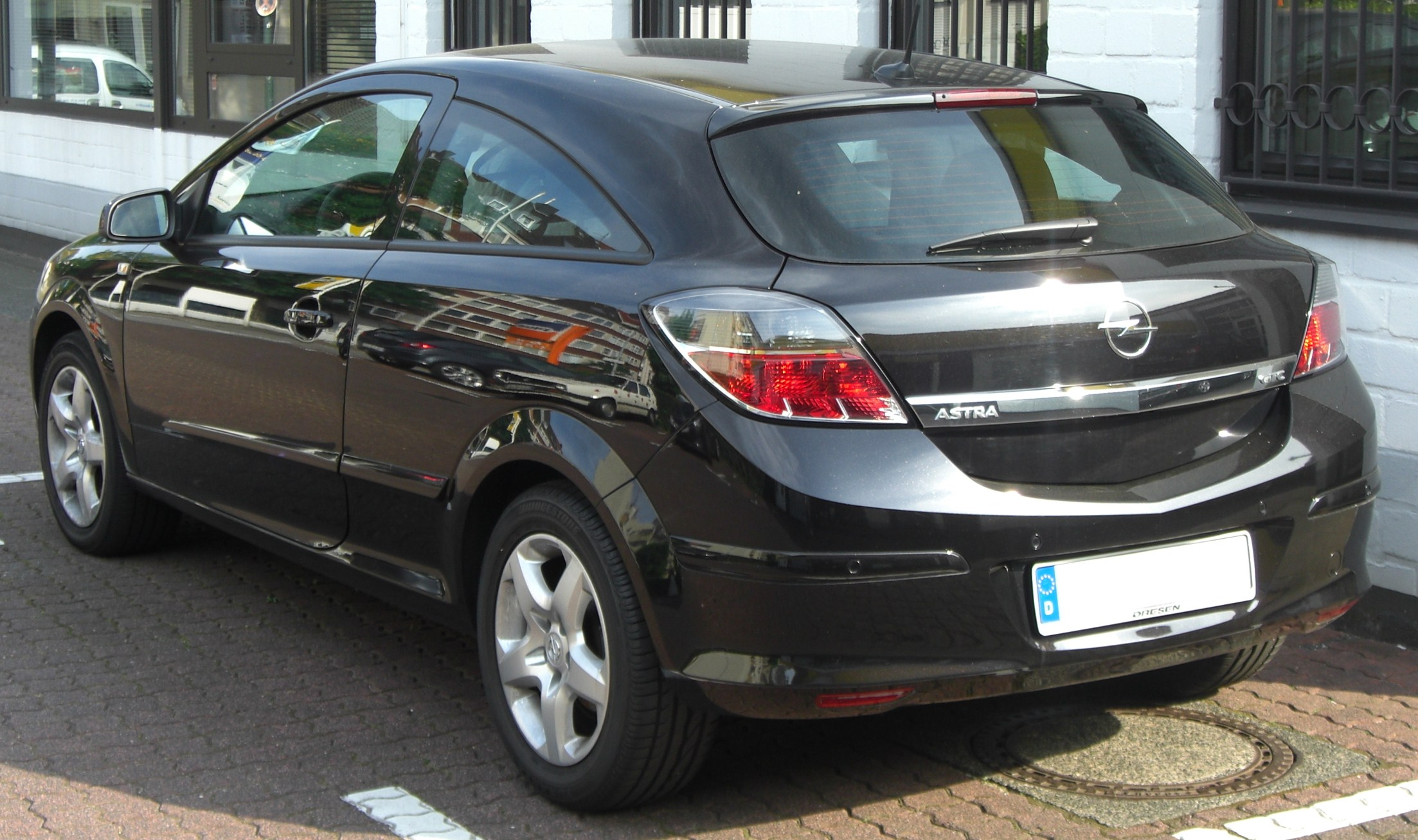 file opel astra gtc facelift rear jpg wikimedia commons. Black Bedroom Furniture Sets. Home Design Ideas