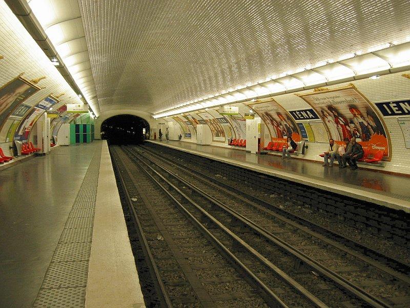 Paris Metro Iena Metrou