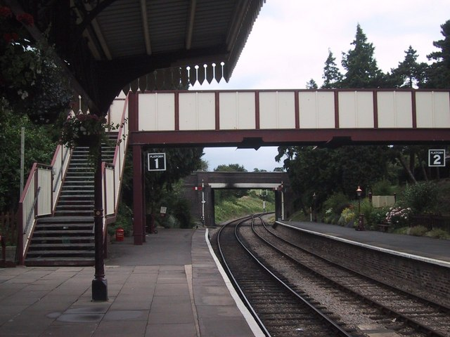 File:Pedestrian overbridge at Winchcombe Station - geograph.org.uk - 1390220.jpg