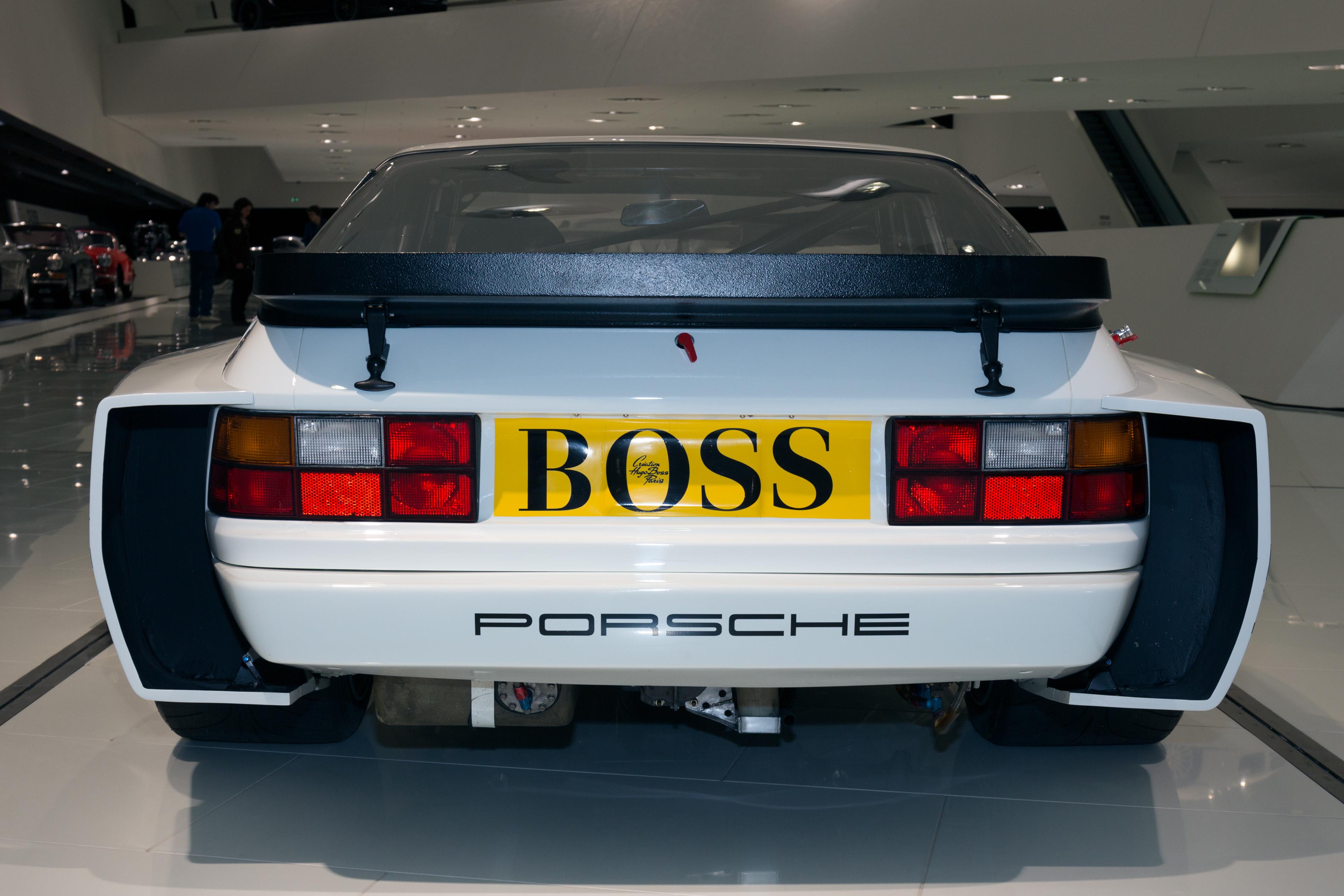 File Porsche 944 Lm Rear Porsche Museum Jpg Wikimedia