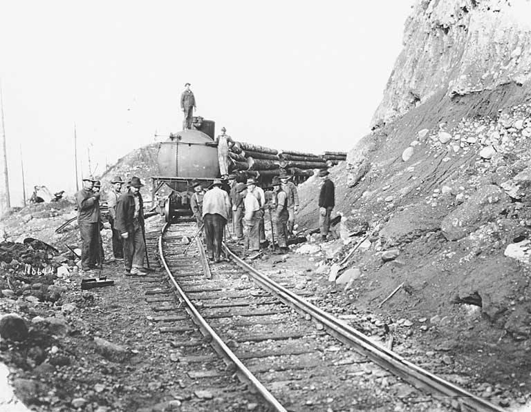 File Railroad Repair Crew And Log Train St Paul Tacoma Lumber Company