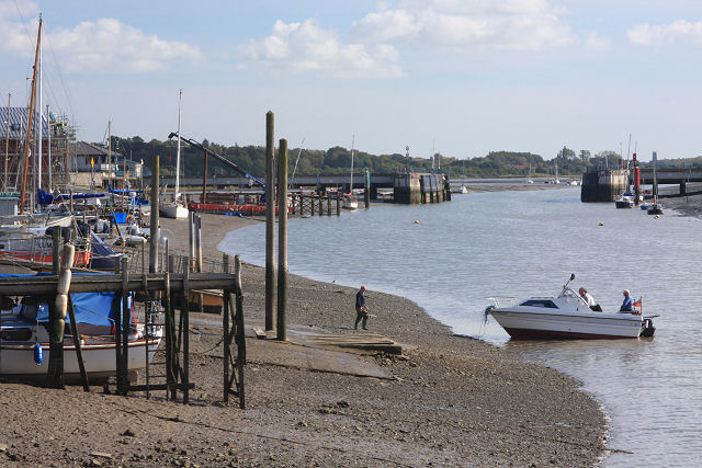 River Colne at Wivenhoe - geograph.org.uk - 999722