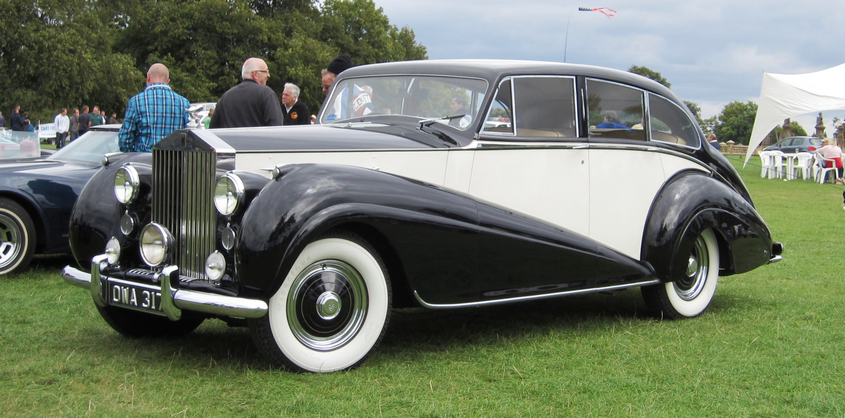 file:rolls royce silver wraith dec 1951 4566cc - wikimedia commons