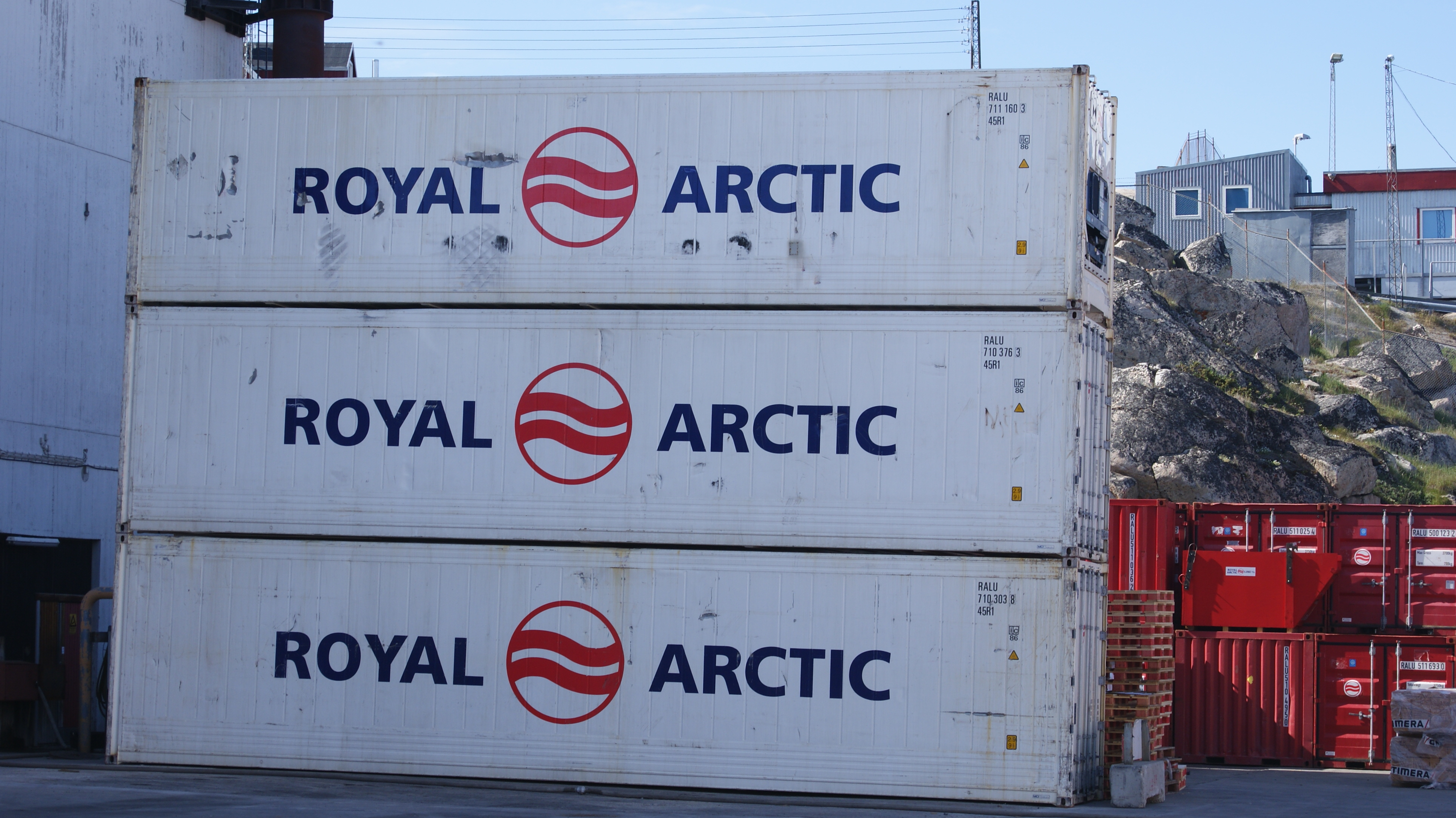 Arctic Line : File royal arctic containers ilulissat port g wikimedia commons