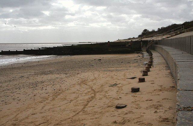 Sea defences at Walton - geograph.org.uk - 724955