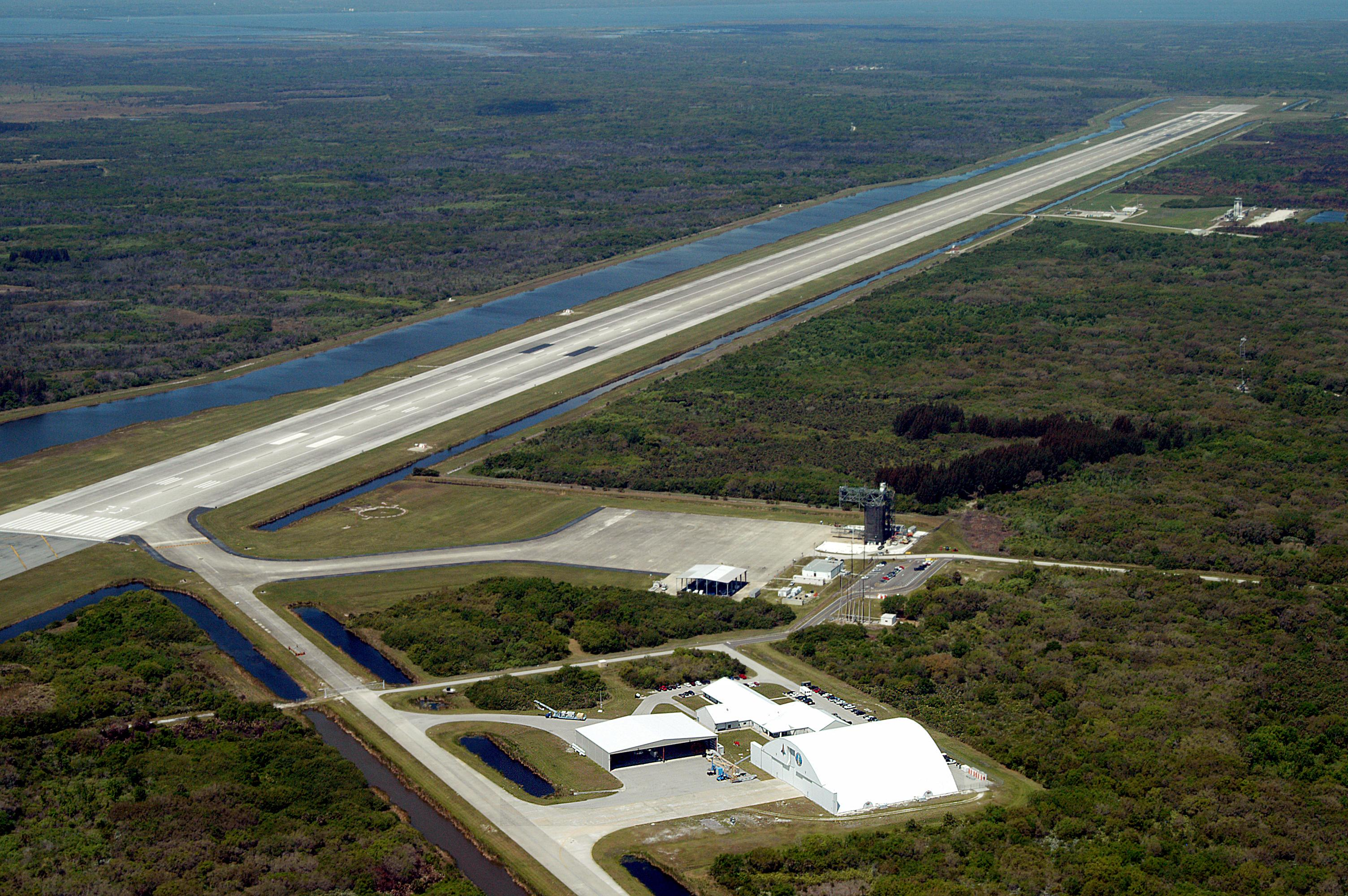 nasa shuttle facility online hookup & dating Nasa space shuttle discovery heads to the us defense department has a long history of supporting manned space flights, dating back to the space shuttle has.