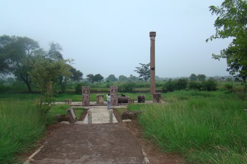 Victory pillar of Yashodharman at Sondani