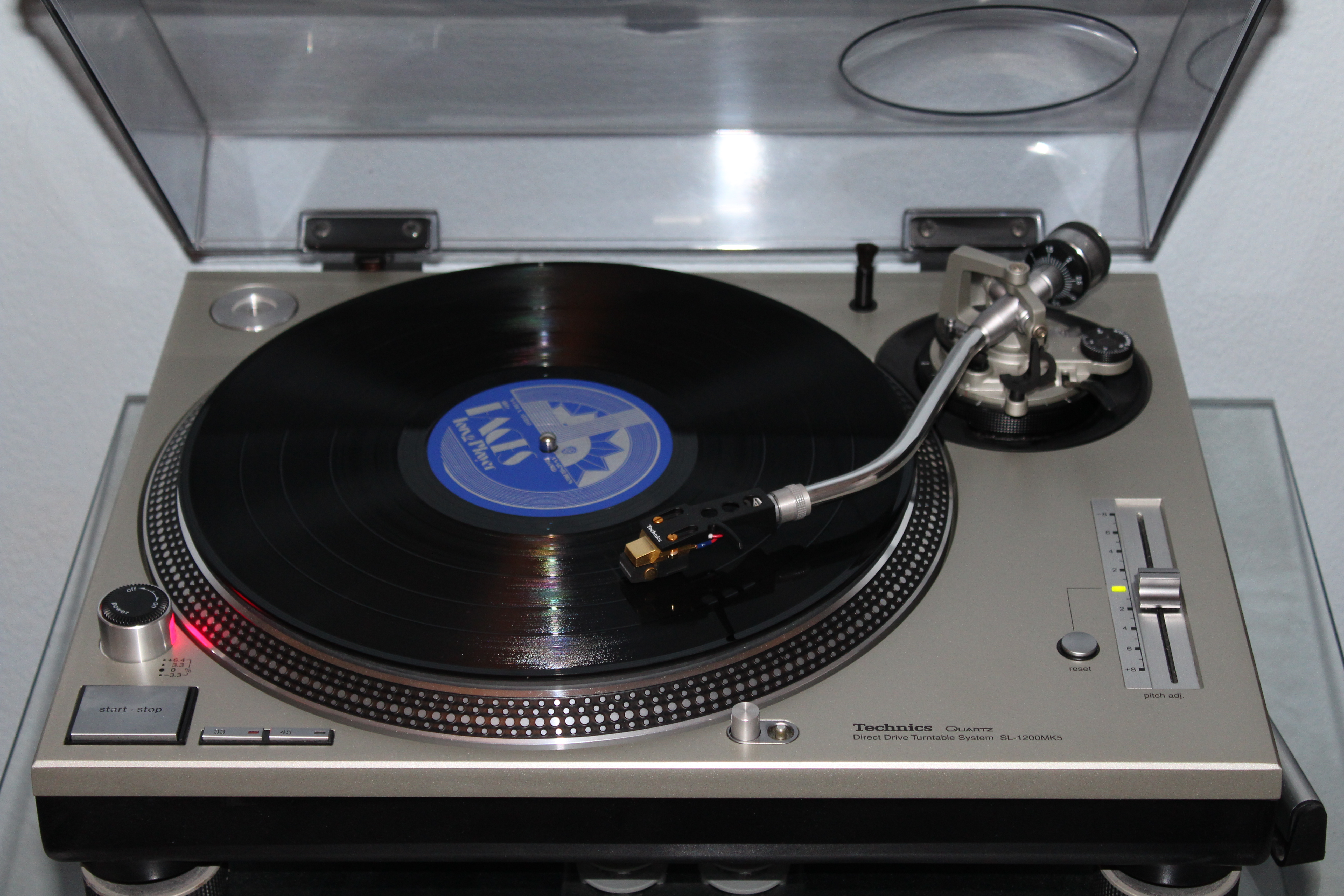 Technics sl-1210 mk5g 30th anniversary edition.