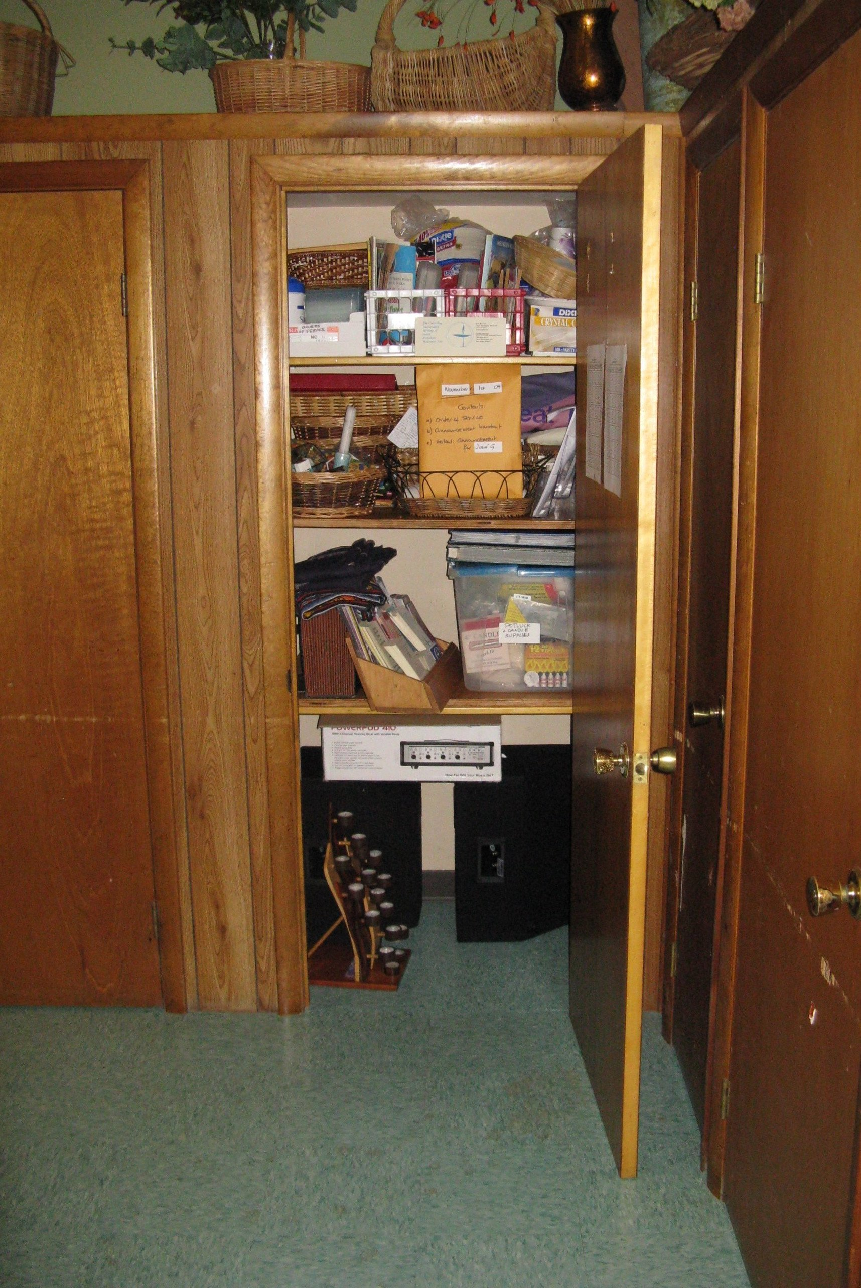 File:The Unitarian Universalist Meeting Of South Berkshire, Closet, Great  Barrington MA.