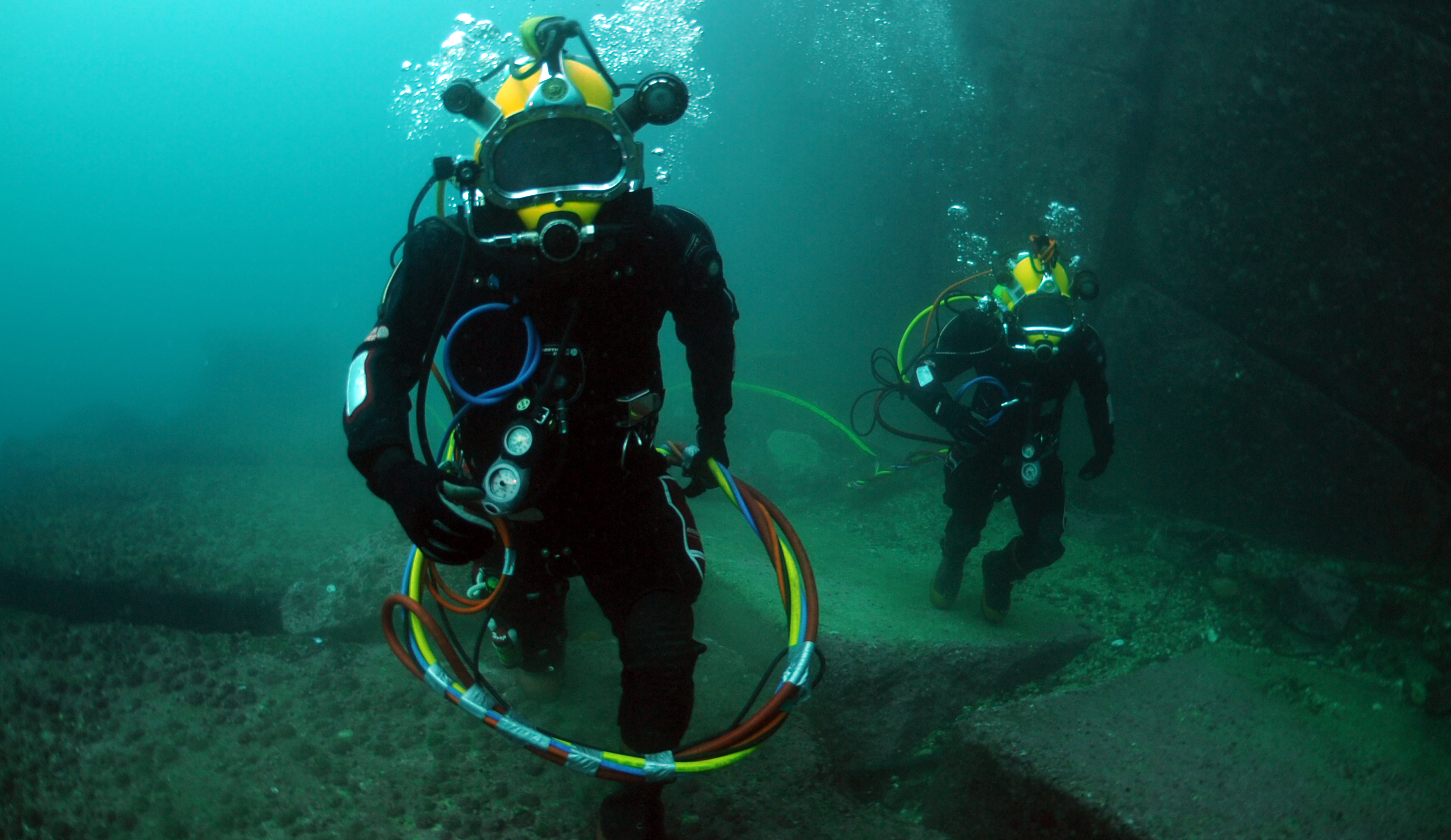 dating a commercial diver Jon lindbergh (diver) photo galleries, news, relationships and more on spokeo.