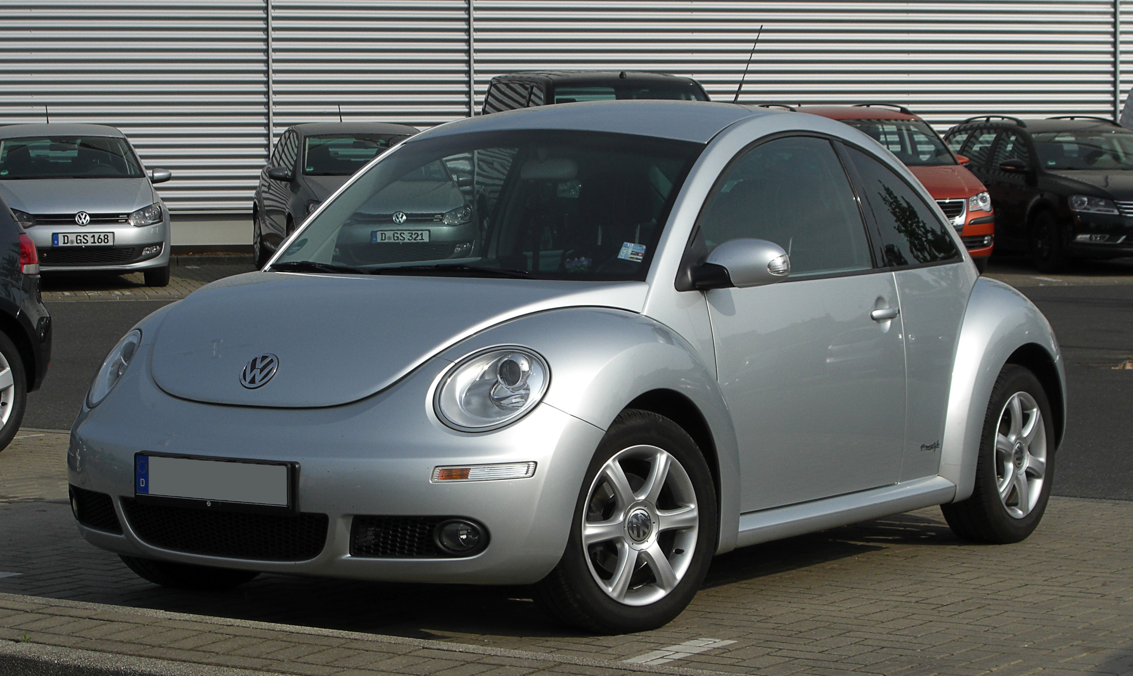 vw new beetle freestyle 2 facelift frontansicht 7 mai 2011 d. Black Bedroom Furniture Sets. Home Design Ideas