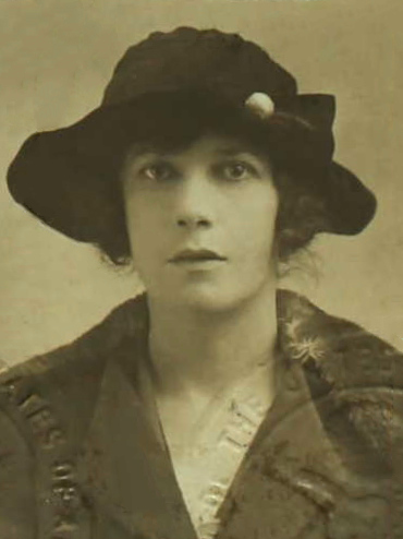Vivienne Haigh-Wood Eliot, passport photograph from 1920. Vivienne Haigh-Wood Eliot 1920.jpg