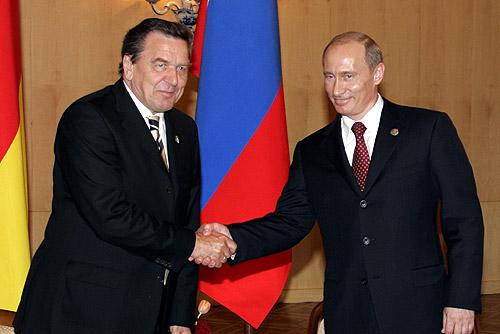 File:Vladimir Putin with Gerhard Schroeder-1.jpg