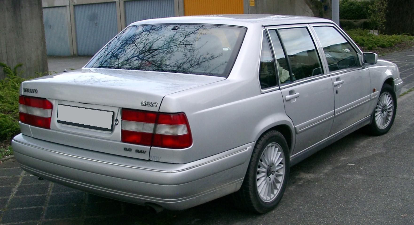 Volvo_960_rear_20080331.jpg