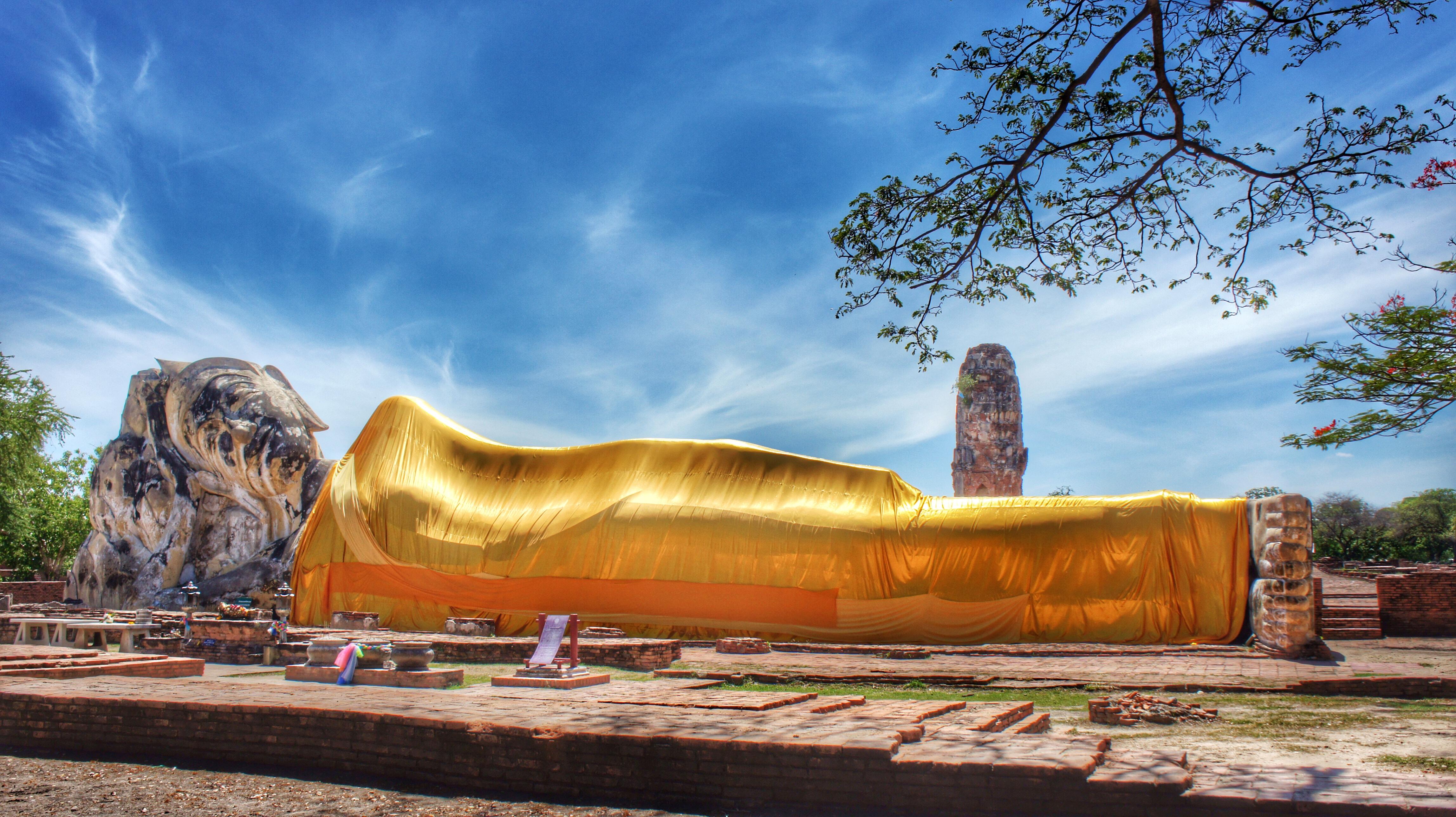 File:Wat Lokayasutharam (Temple) Ayuthaya, Thailand.jpg ...