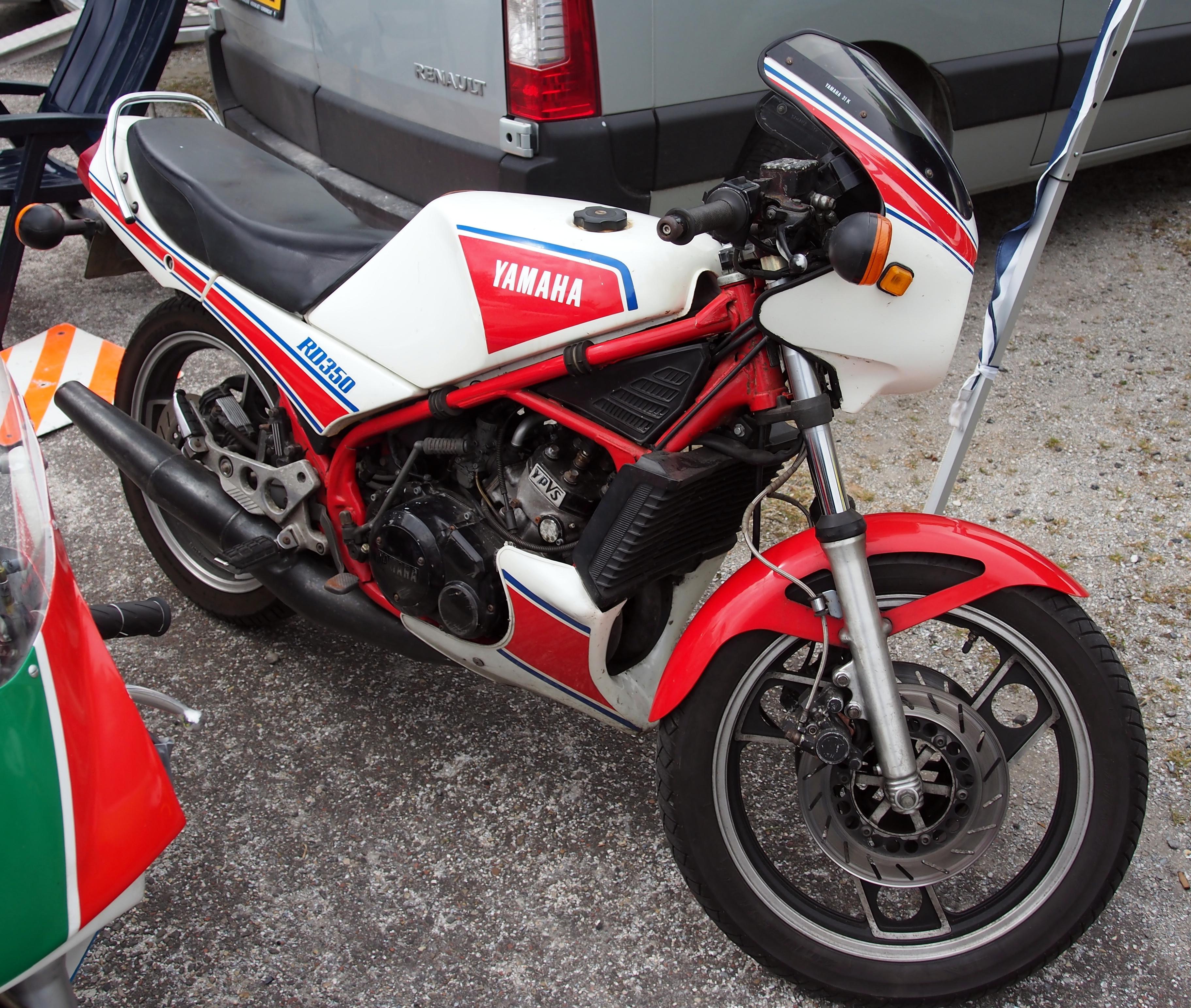 Yamaha RD350 YPVS - Wikipedia