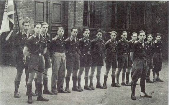 https://upload.wikimedia.org/wikipedia/commons/1/1d/Young_Jewish_members_from_German_Chapter_of_Betar_in_Berlin%2C_1936.jpg
