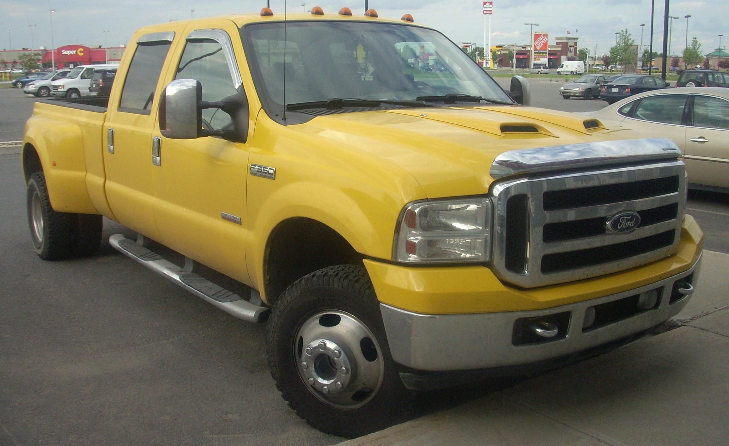 File:'05-'07 Ford F-350 Super Duty Crew ...