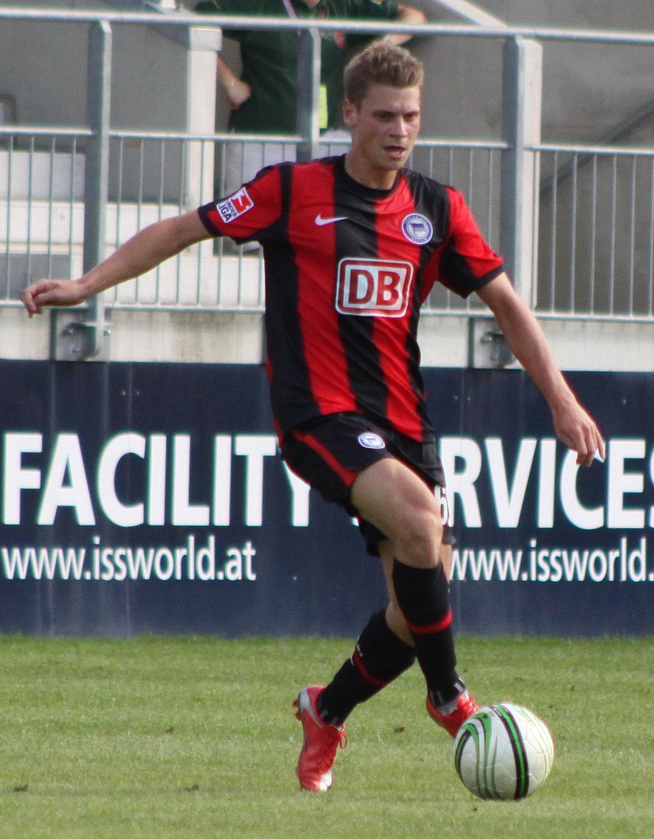 File Łukasz Piszczek Hertha BSC Berlin 3 Wikimedia mons