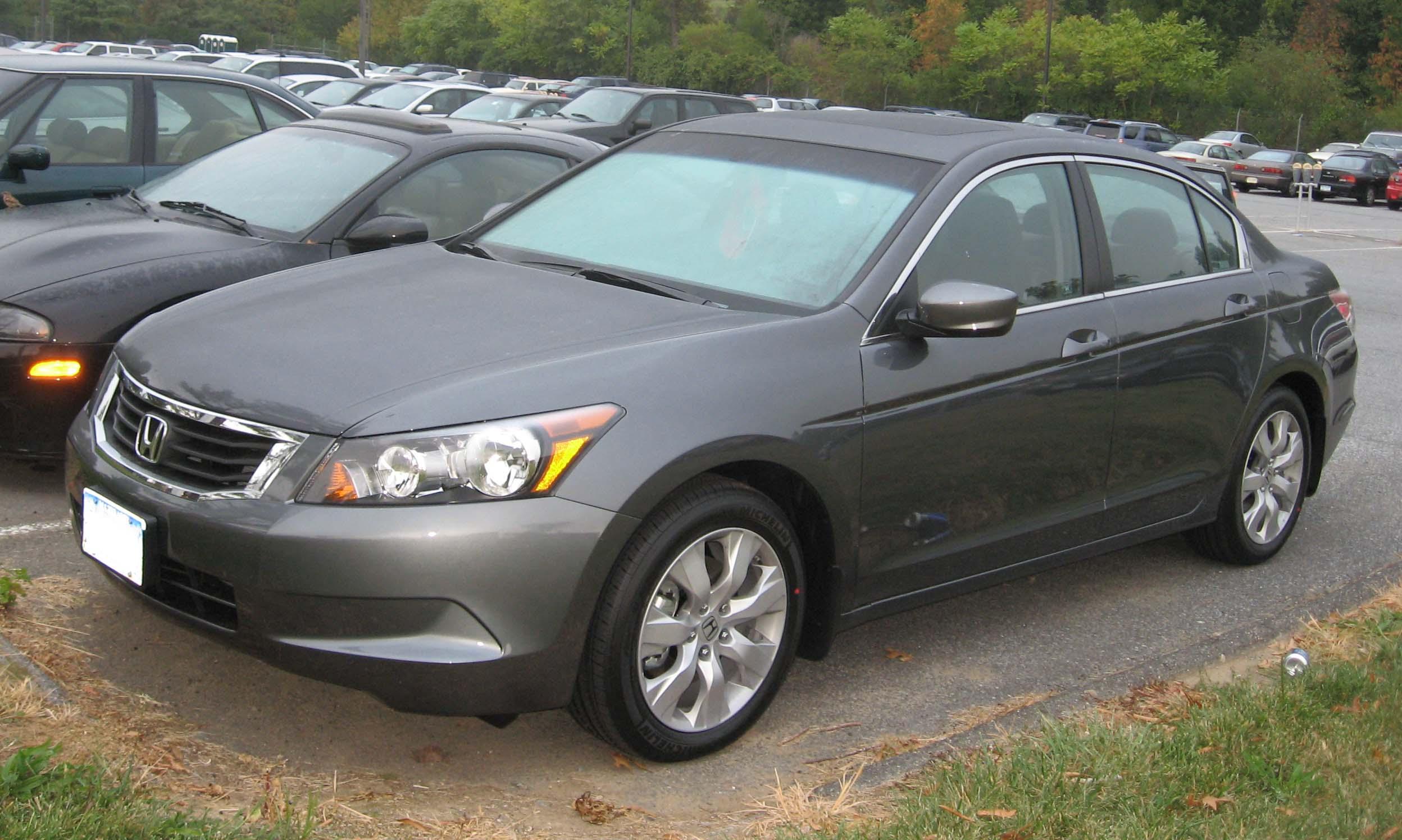 File:08-Honda-Accord-sedan.jpg - Wikimedia Commons