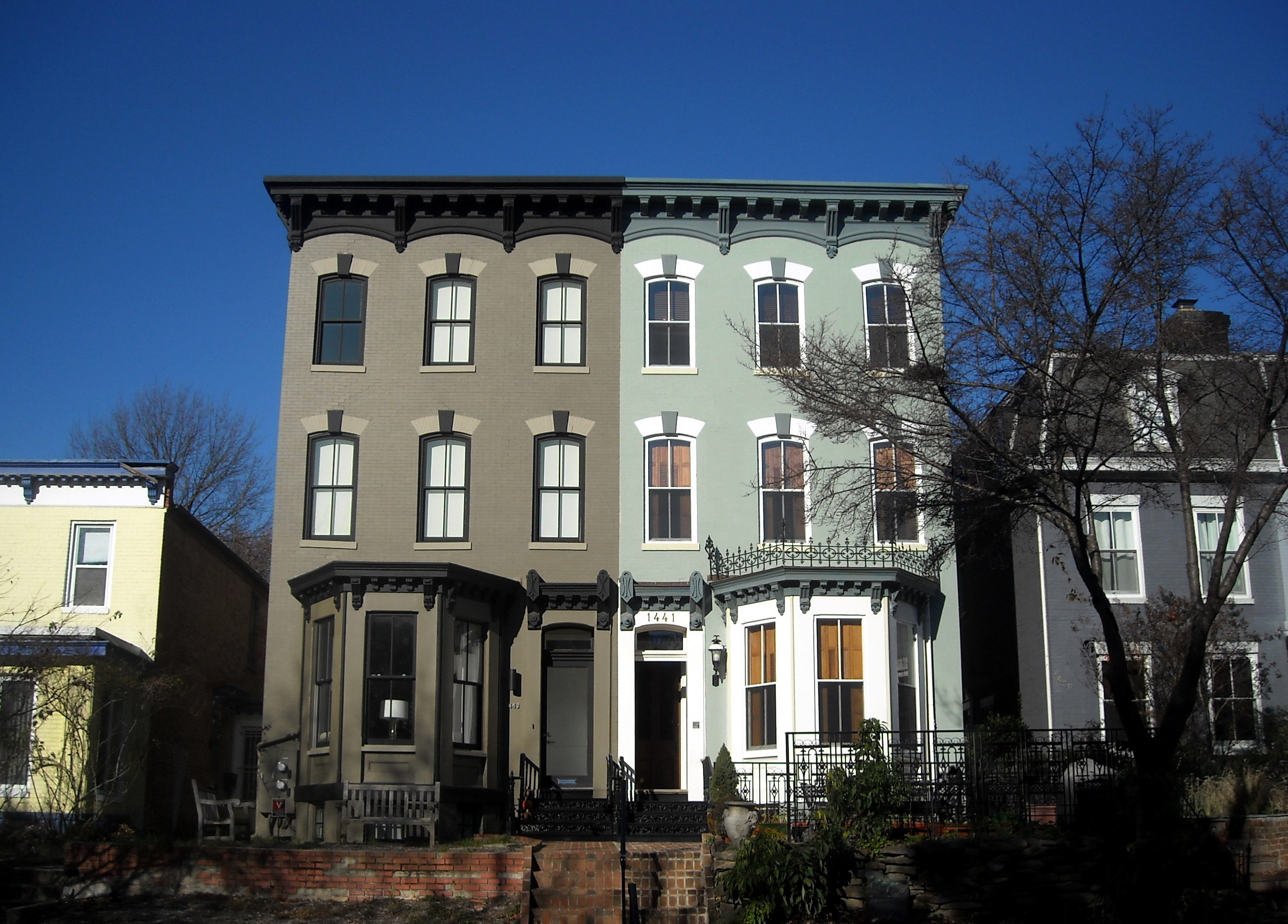 File:1441 and 1443 Q Street, NW.JPG