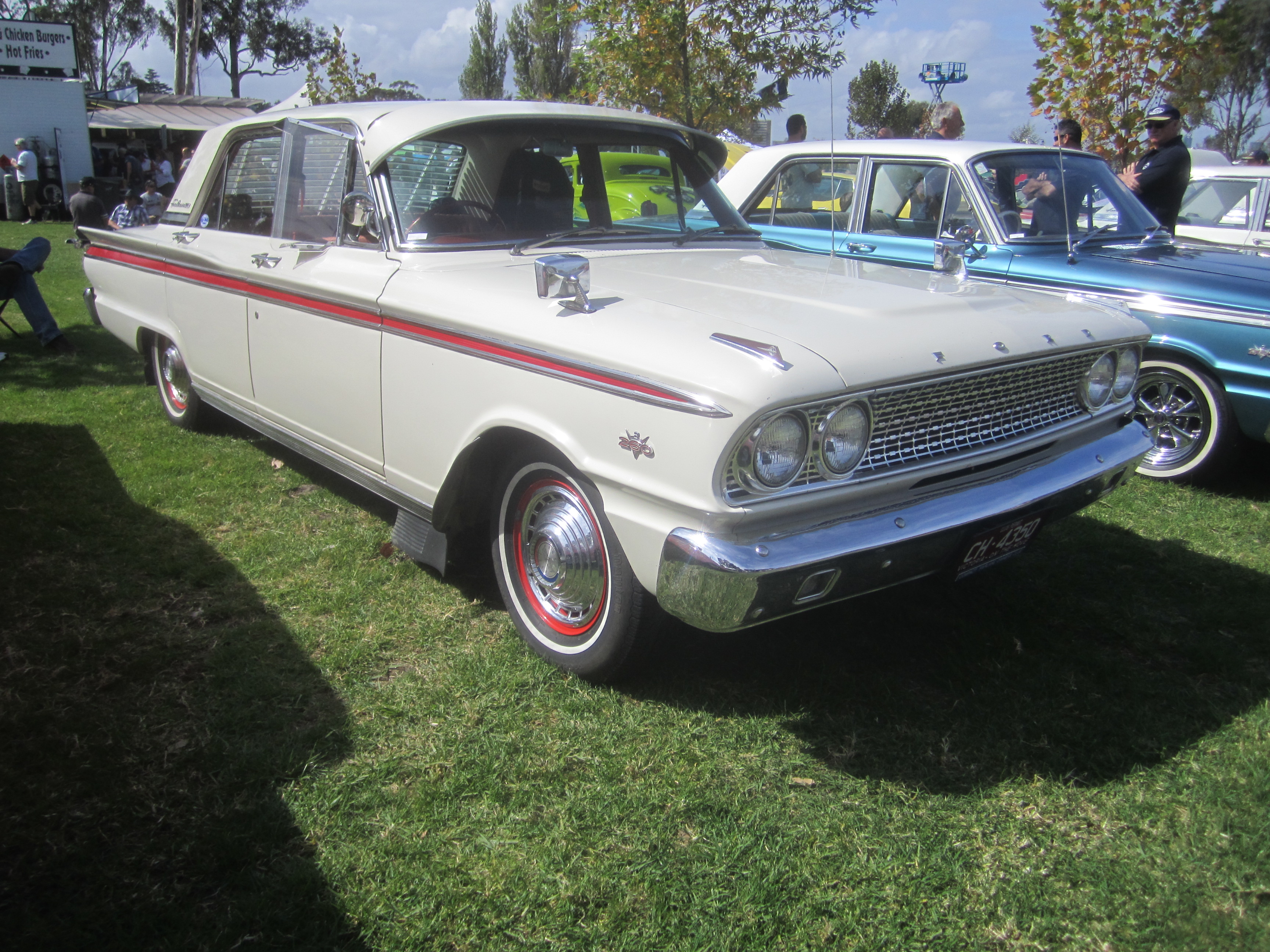 File1963 Ford Fairlane 500 Sedan