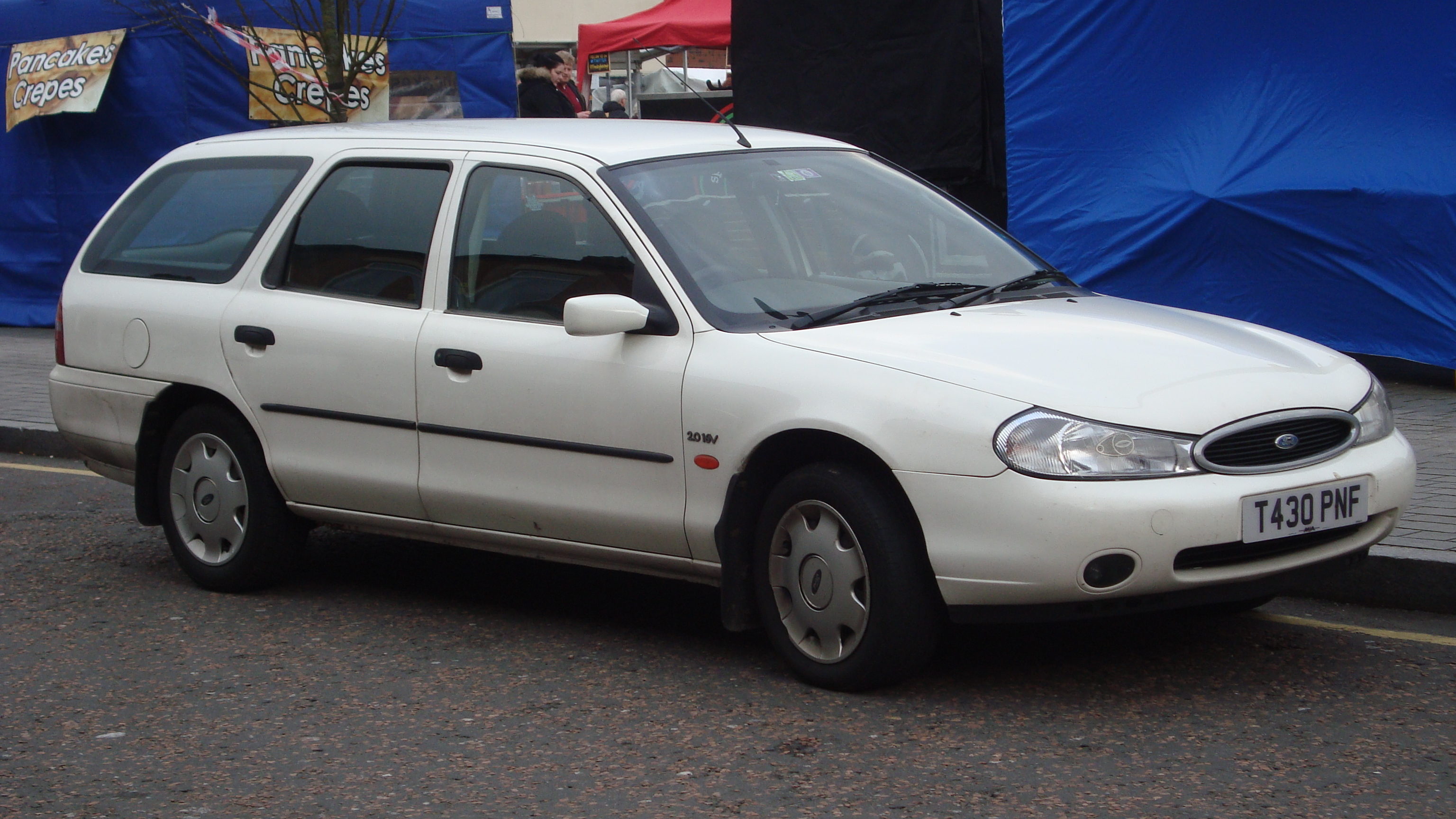 File:1999 Ford Mondeo 2.0 GLX Auto Estate (16203644953).jpg