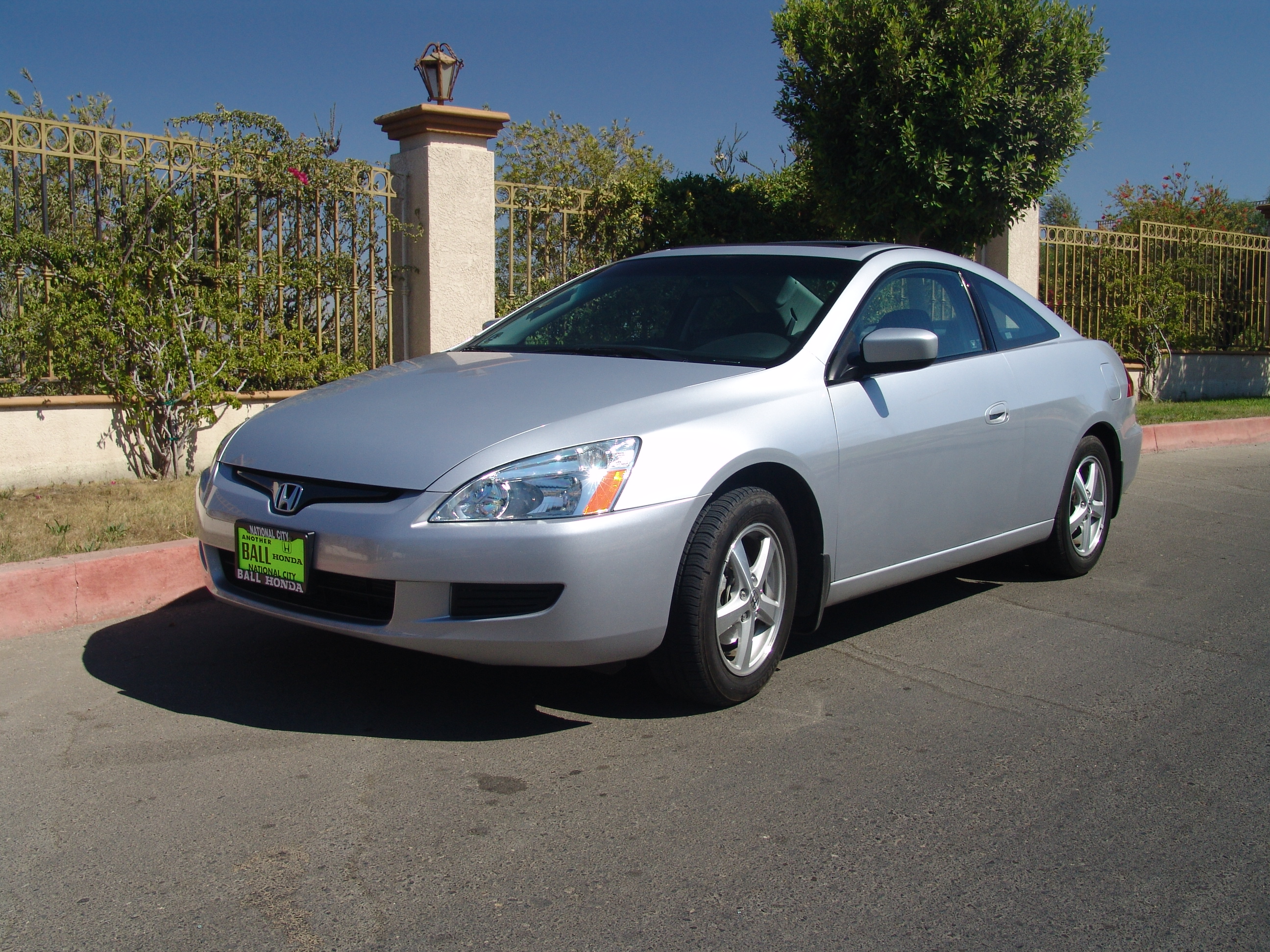 File:2004 Accord Coupe