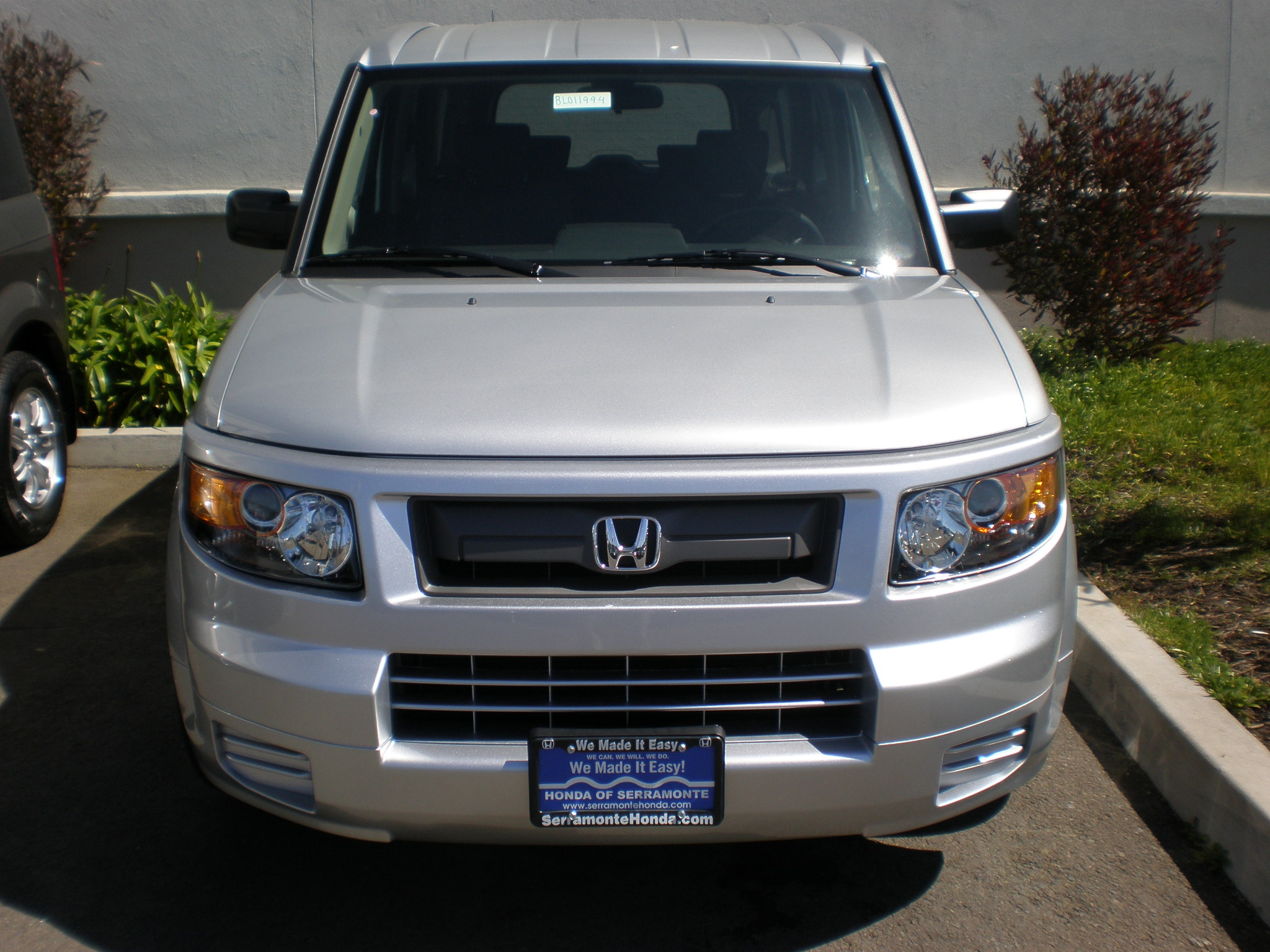 File:2008 silver Honda Element front.JPG