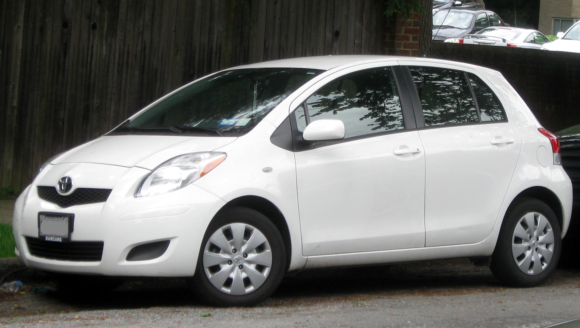 File:2009-2011 Toyota Yaris 5-door -- 05-28-2011.jpg ...