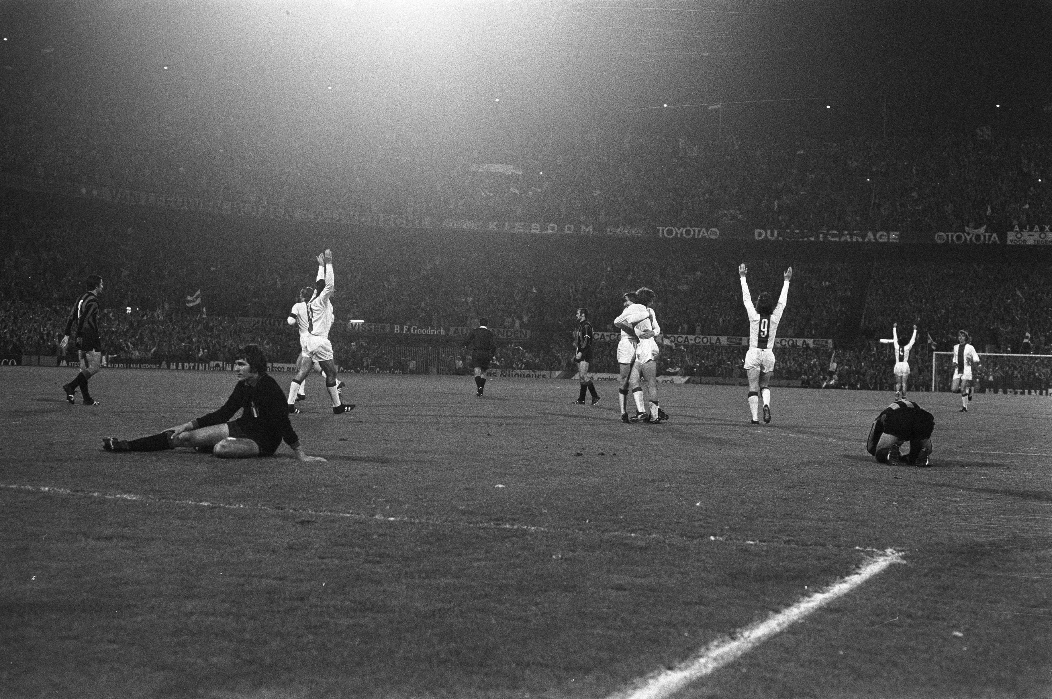 File:Ajax 2 - 0 Inter 1971-1972.jpg - Wikimedia Commons