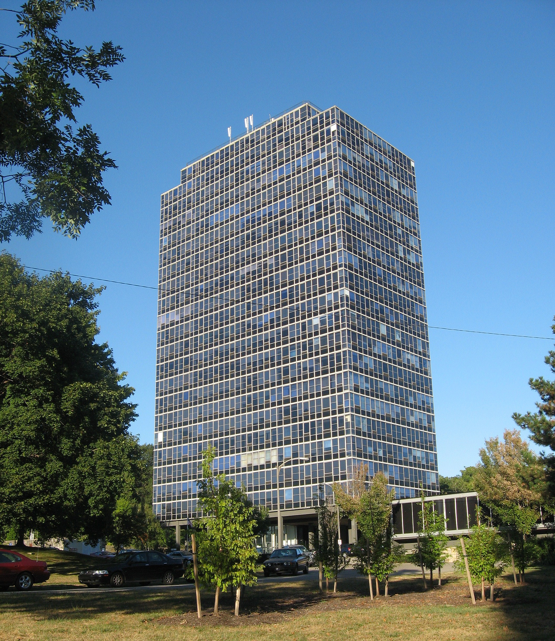 File Apartment Building Highland Park Pittsburgh Jpg Wikimedia Commons