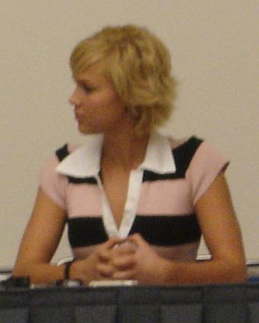 Arielle Kebbel at Comic-Con 2006.jpg