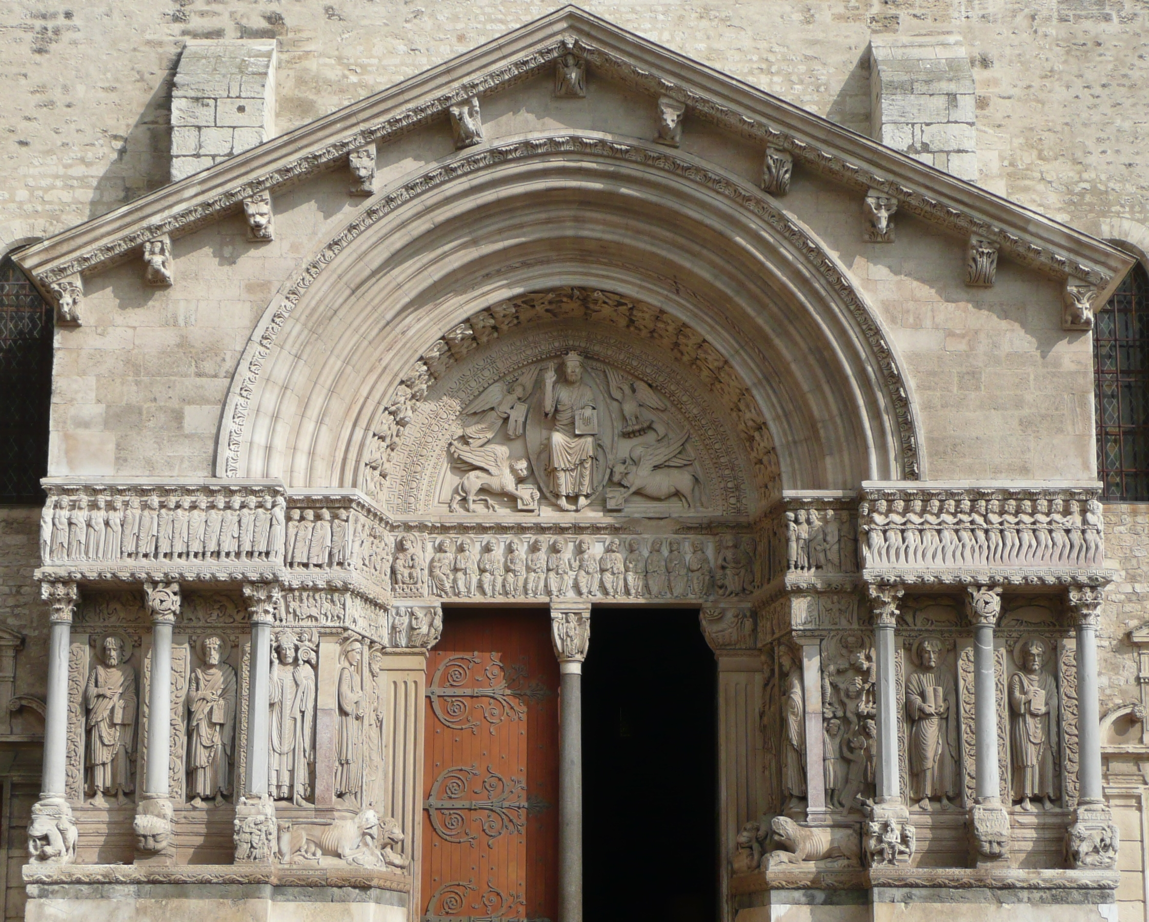 File arles ancienne cath drale st trophime portail for Architecture romane