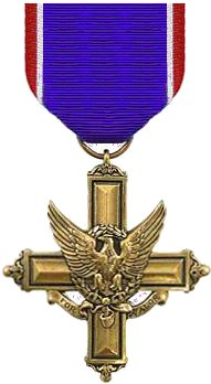 Army distinguished service cross medal.jpg